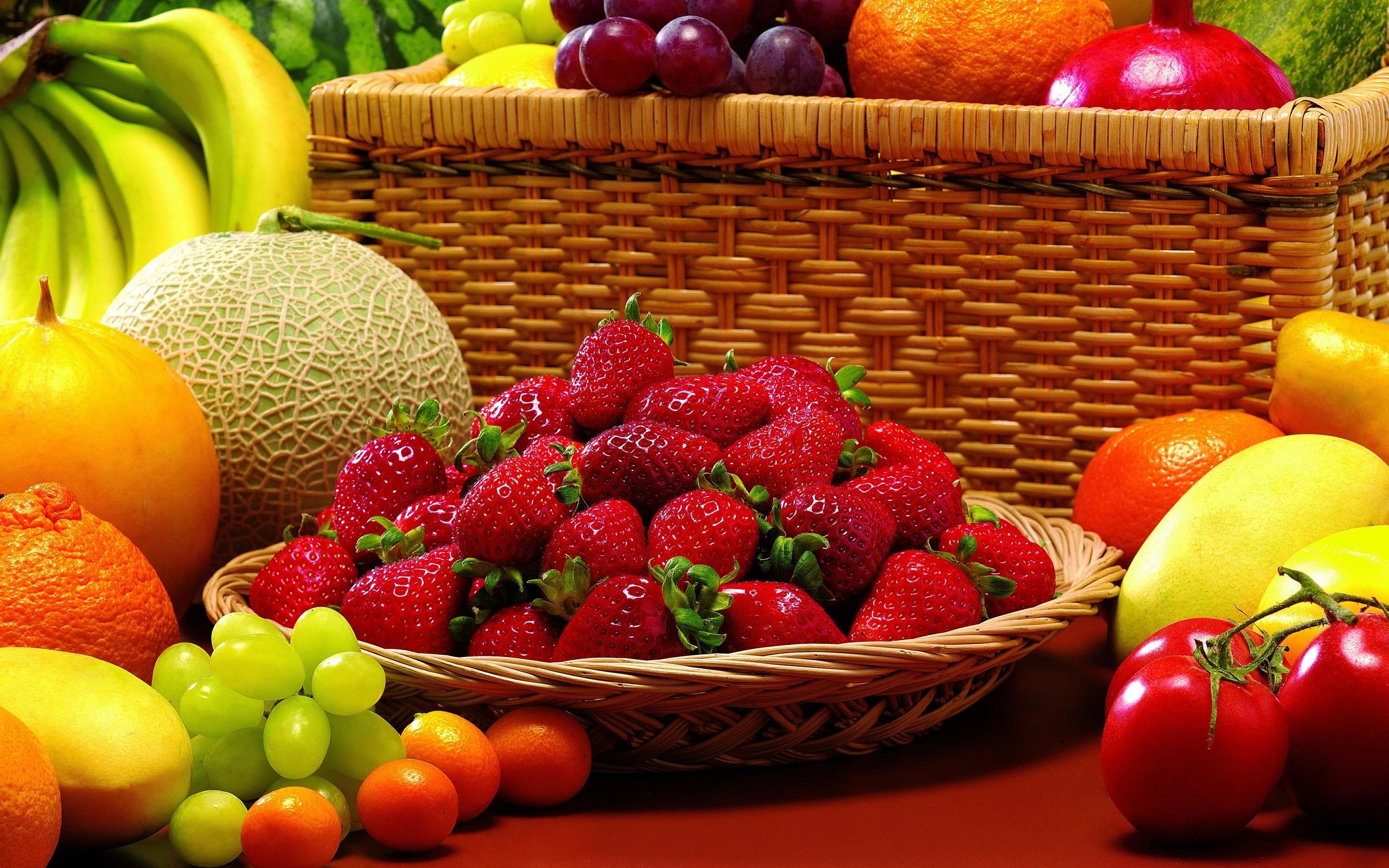 2560x1600 Strawberry Fruit Background Wallpaper For Desktop Mobile