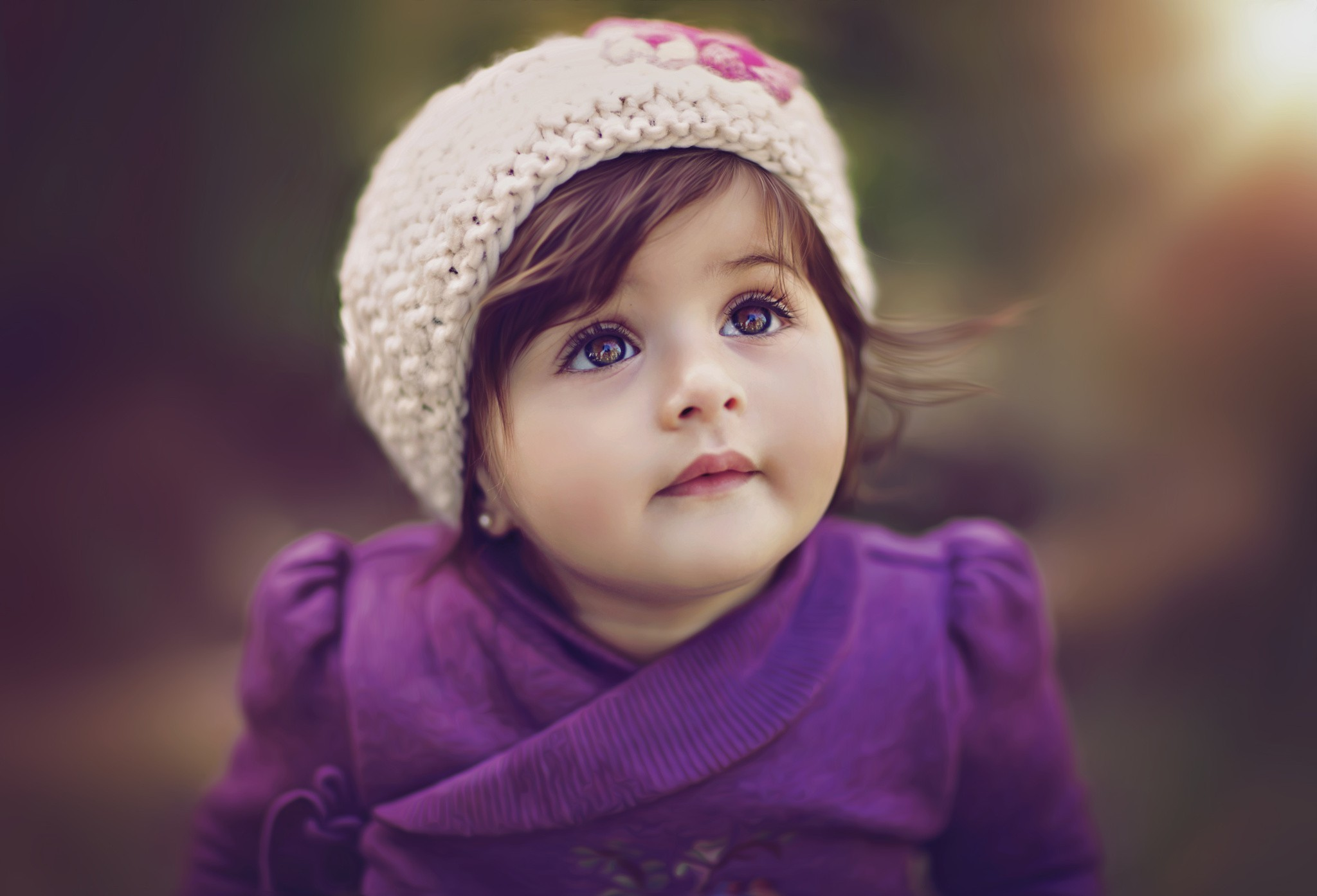 2048x1394 Cute Baby Girl Kids Wallpaper