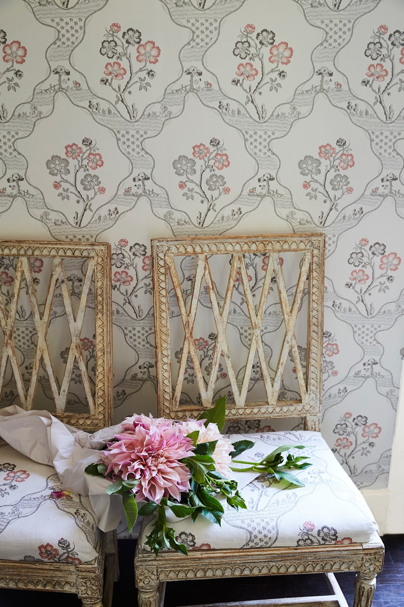 1333x2000 Vogue Living and Schumacher Debut an Exclusive Collection of Fabrics and  Wallpaper - Vogue