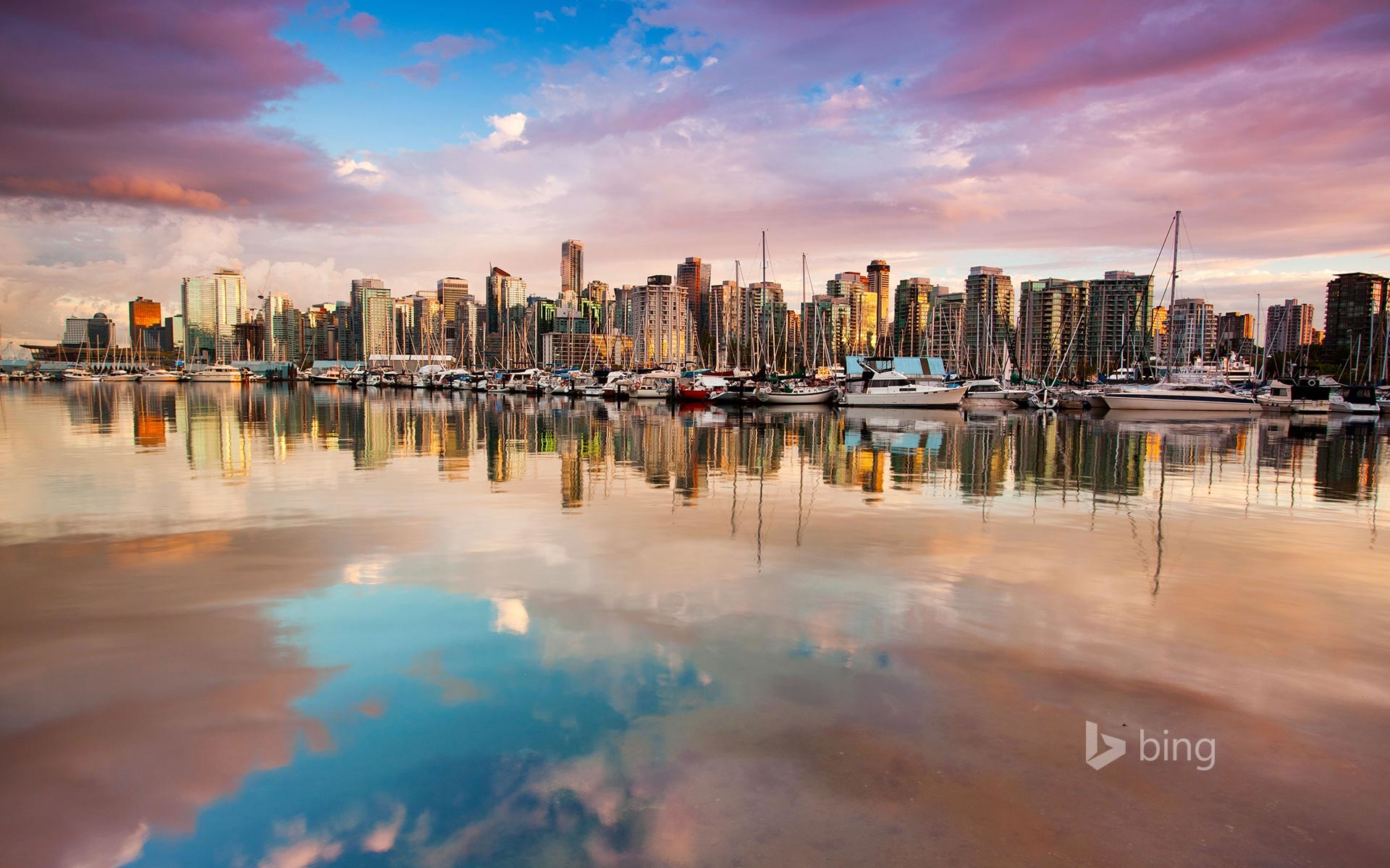 1920x1200 ... Evening view of the city skyline of Vancouver, Canada, from Stanley  Park (©