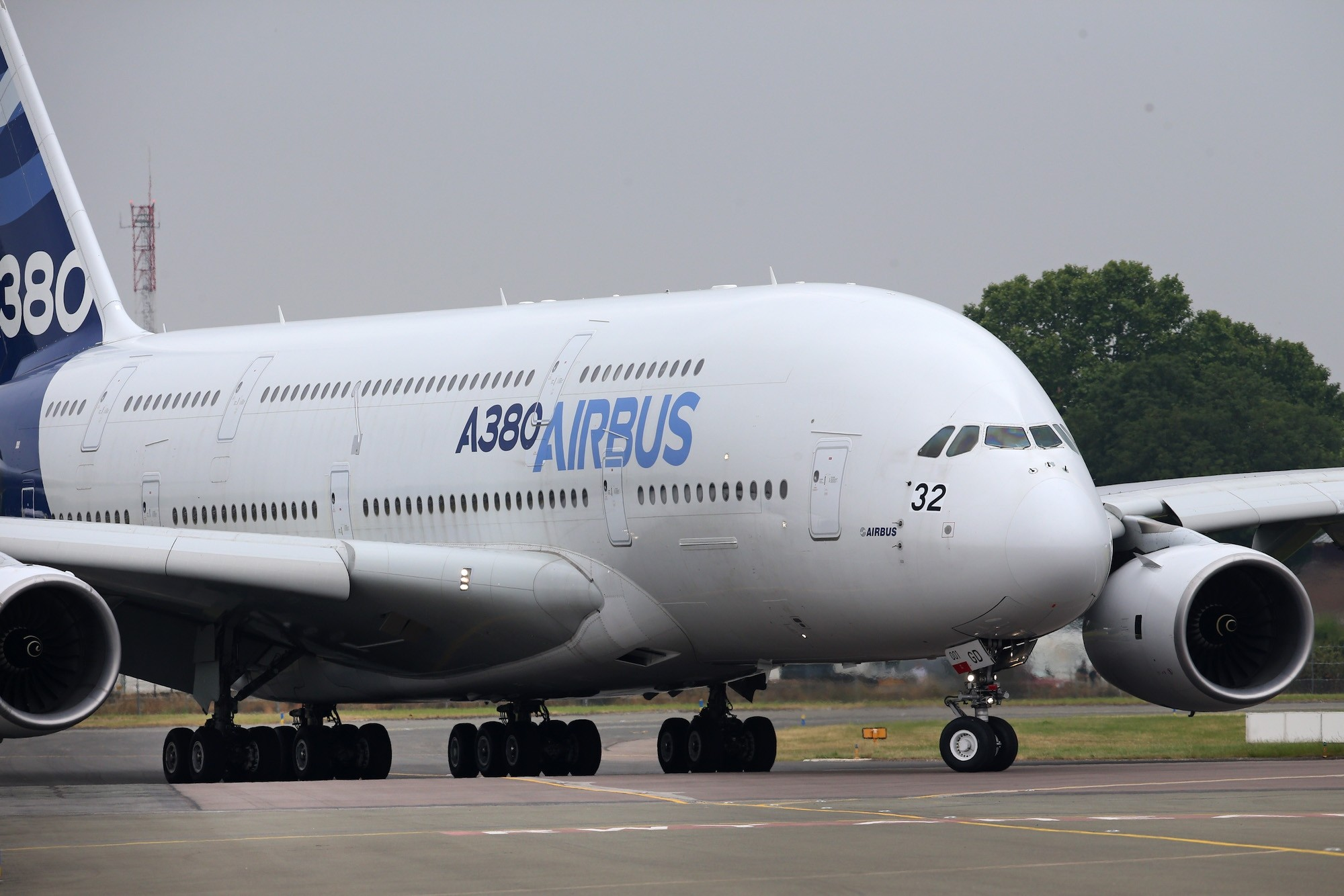 2000x1334 This is the exterior of the Airbus a380. The a380 has a wingspan of 262ft  (79.85meters) which is the largest allowed (due to airport size  restrictions) for ...