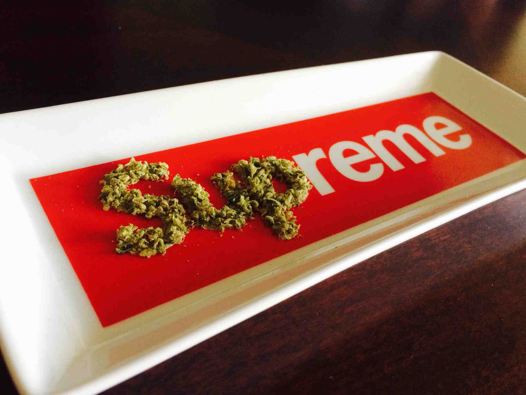 2048x1536 supreme weed wallpaper wallpapers trendingspace
