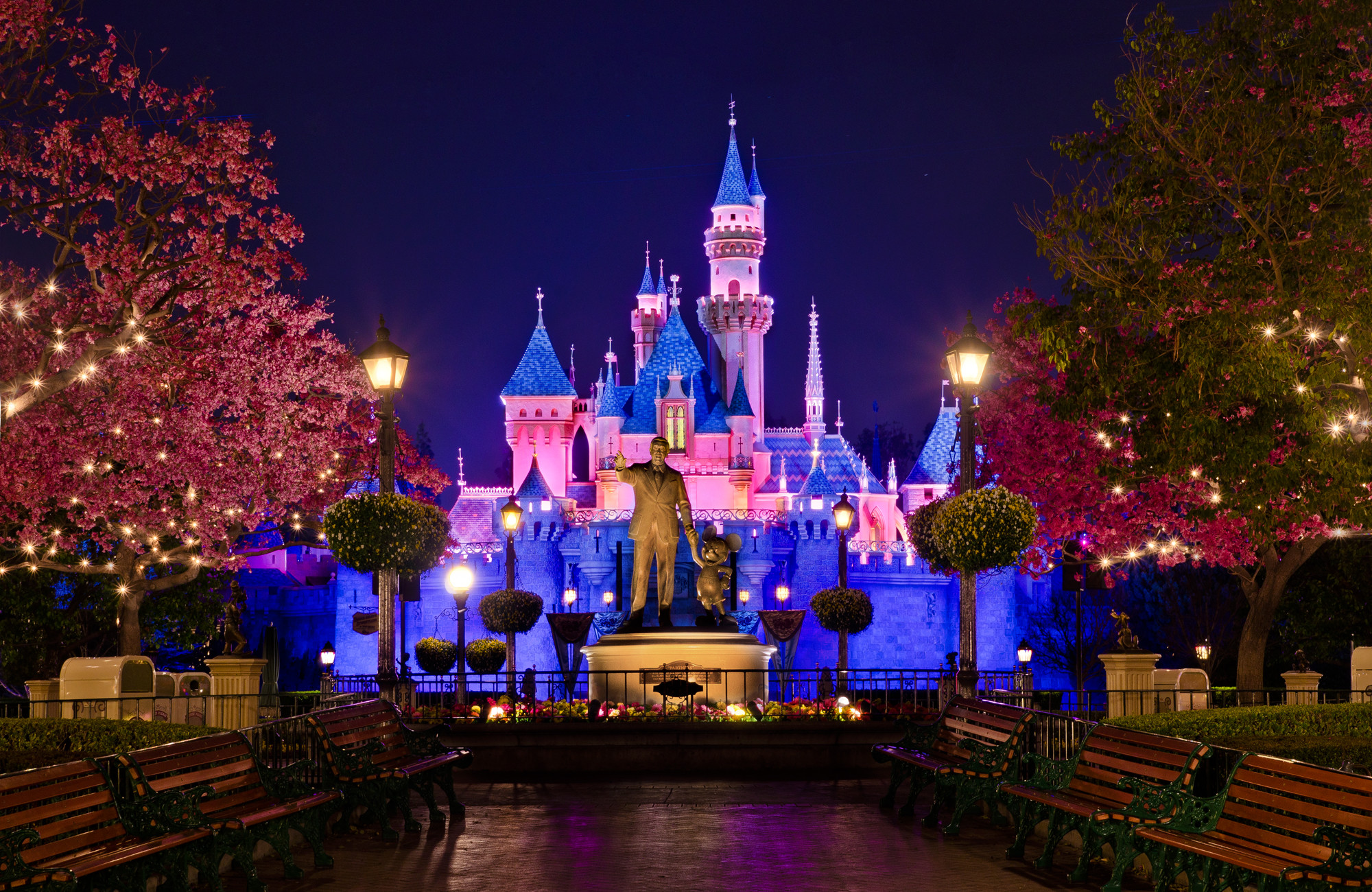 2000x1300 Disneyland California United States wwwvistanaturecom