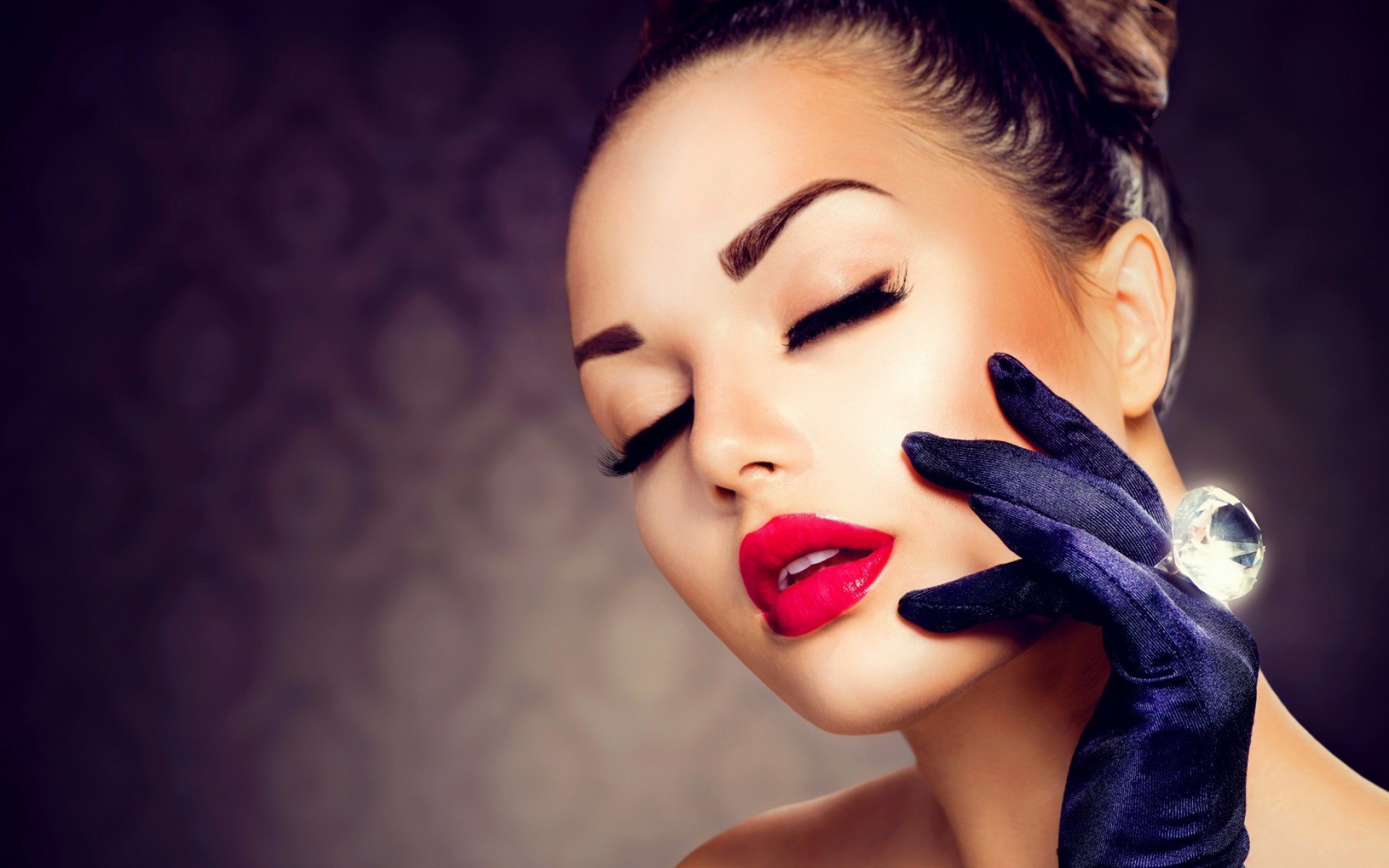 1920x1200 makeup, Portrait, Gloves, Rings, Diamonds, Closed Eyes Wallpapers HD /