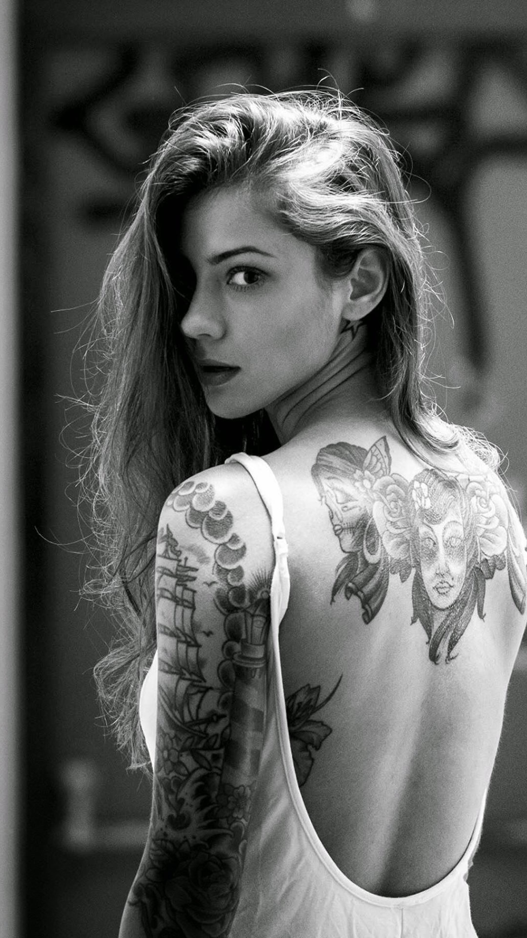 1080x1920 Beautiful Girl Tattooed Back iPhone 6 wallpaper