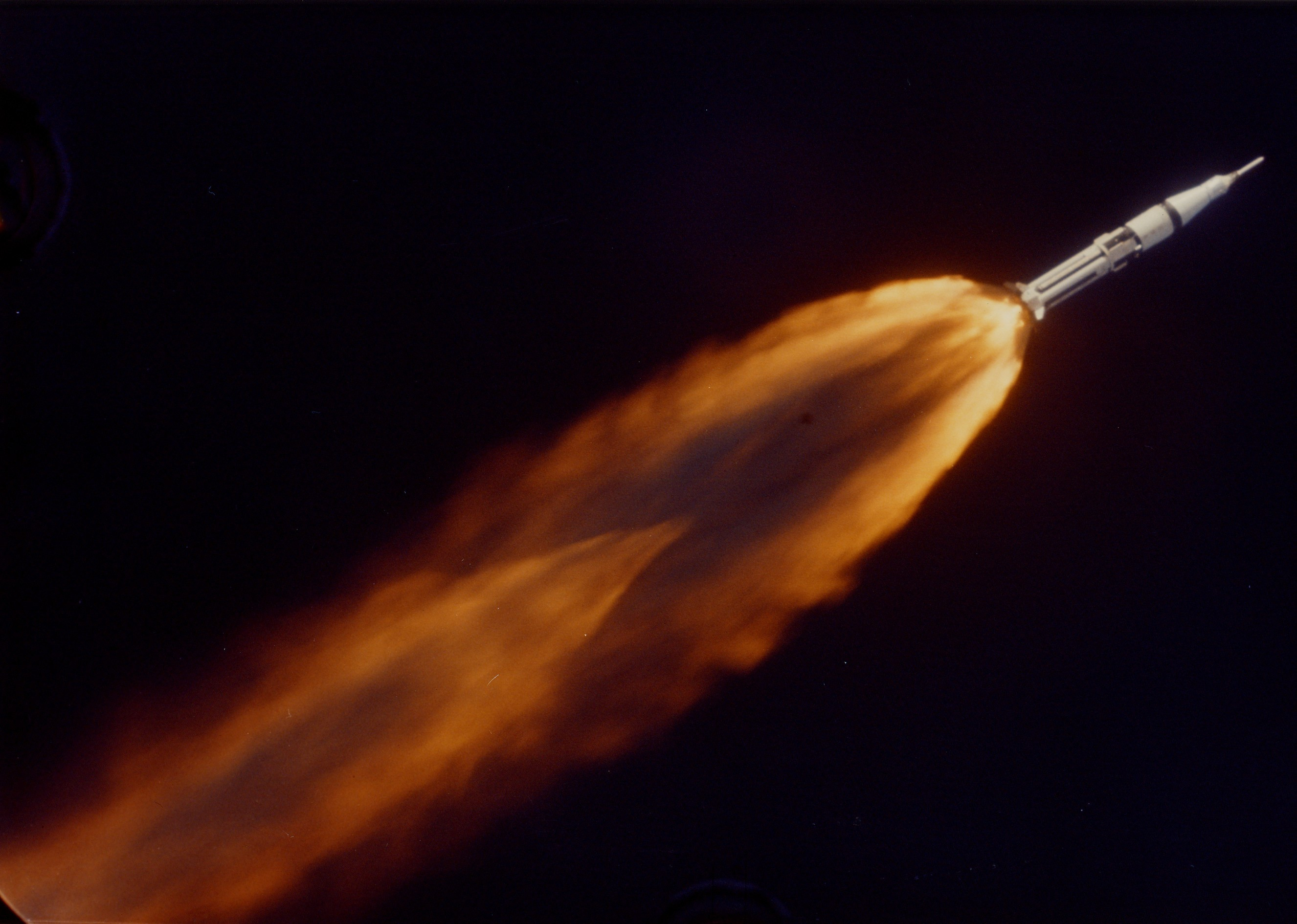 2652x1890 Want to Watch Fuel Slosh Around Inside a Saturn Rocket? | Popular Science
