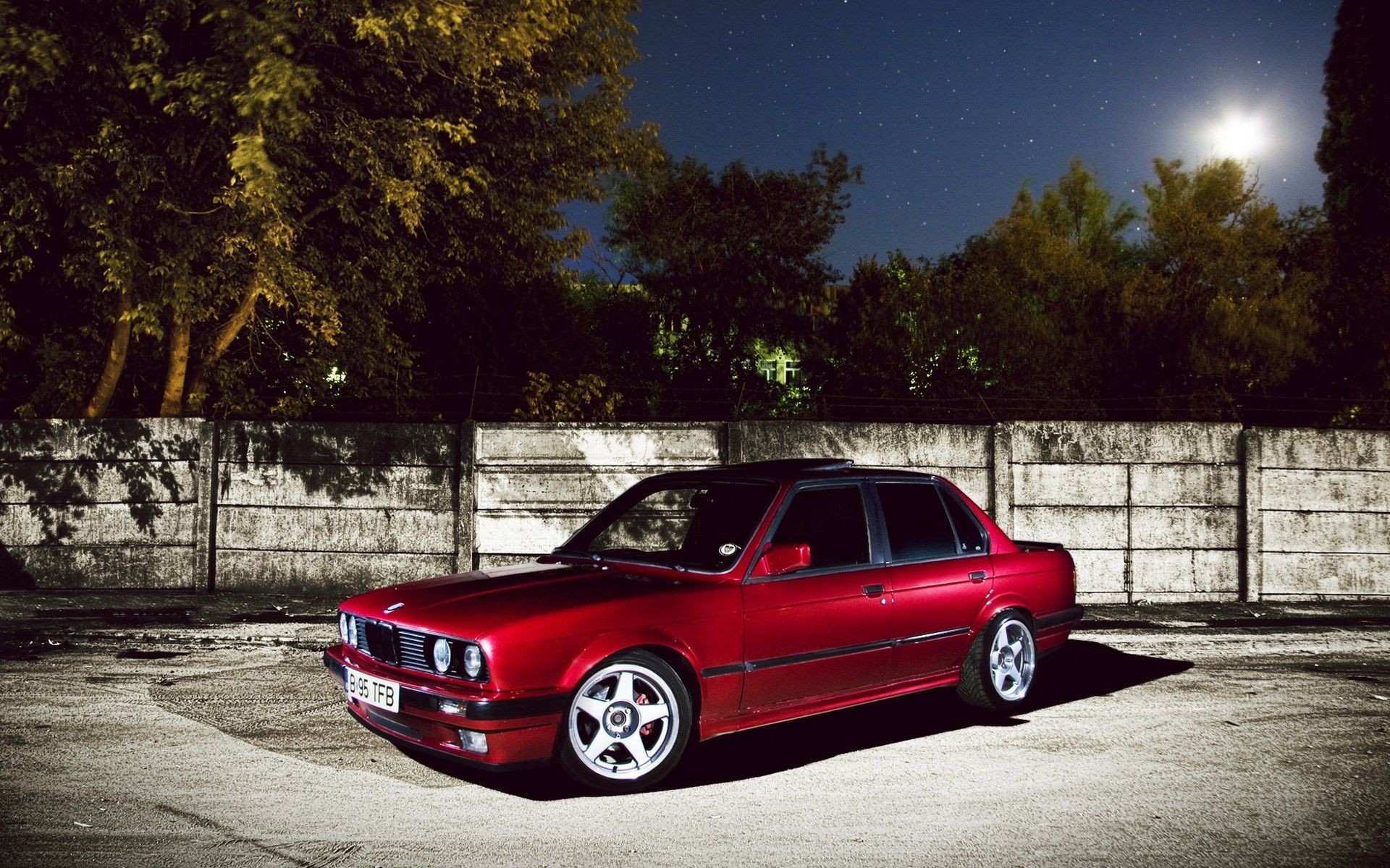 1920x1200 BMW E30 Wallpaper 06  768x480