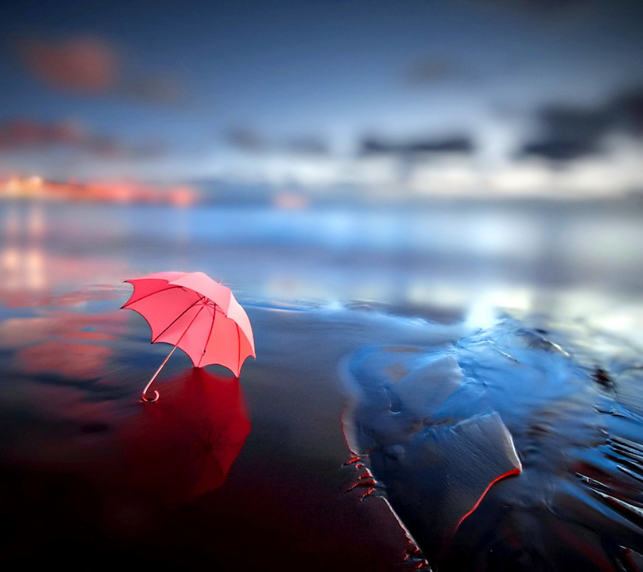 2160x1920 Gorgeous Umbrella Wallpapers Download 2000x1124