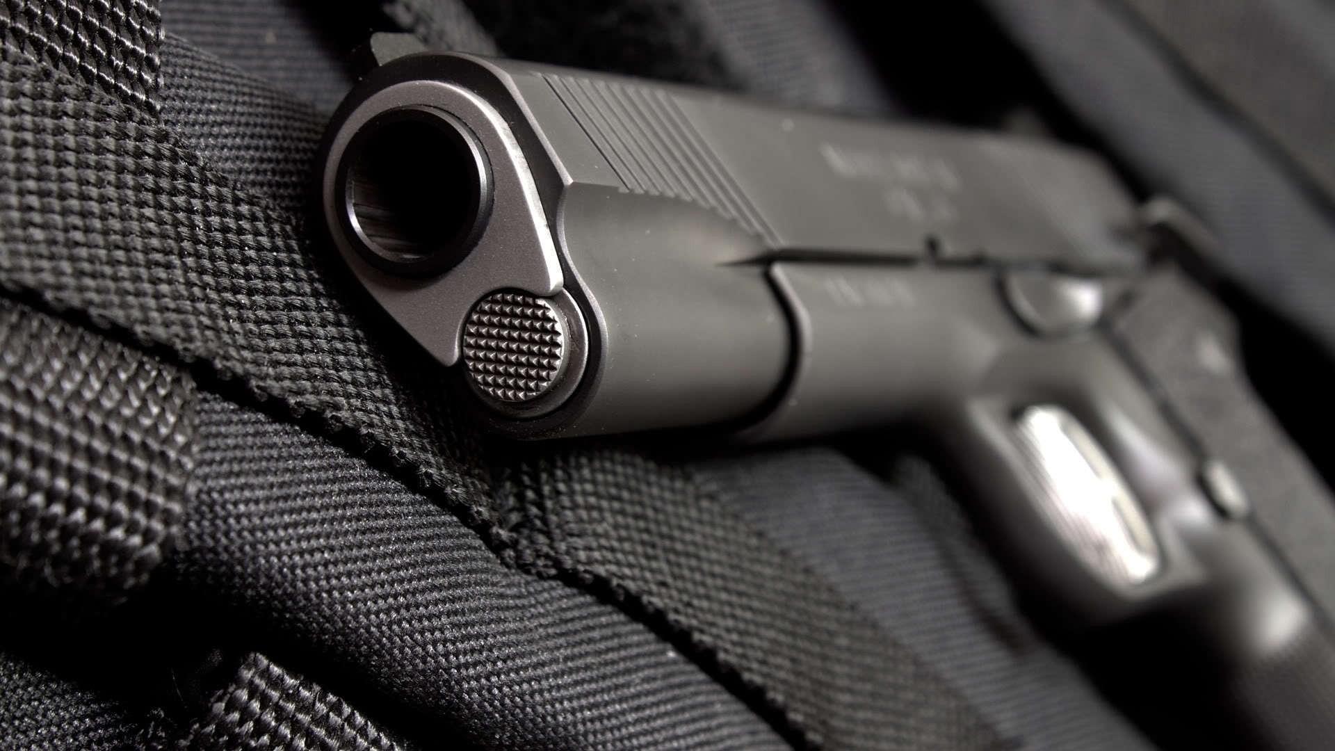 2500x1875 Glock 17 Gen 4 Wallpapers Hq