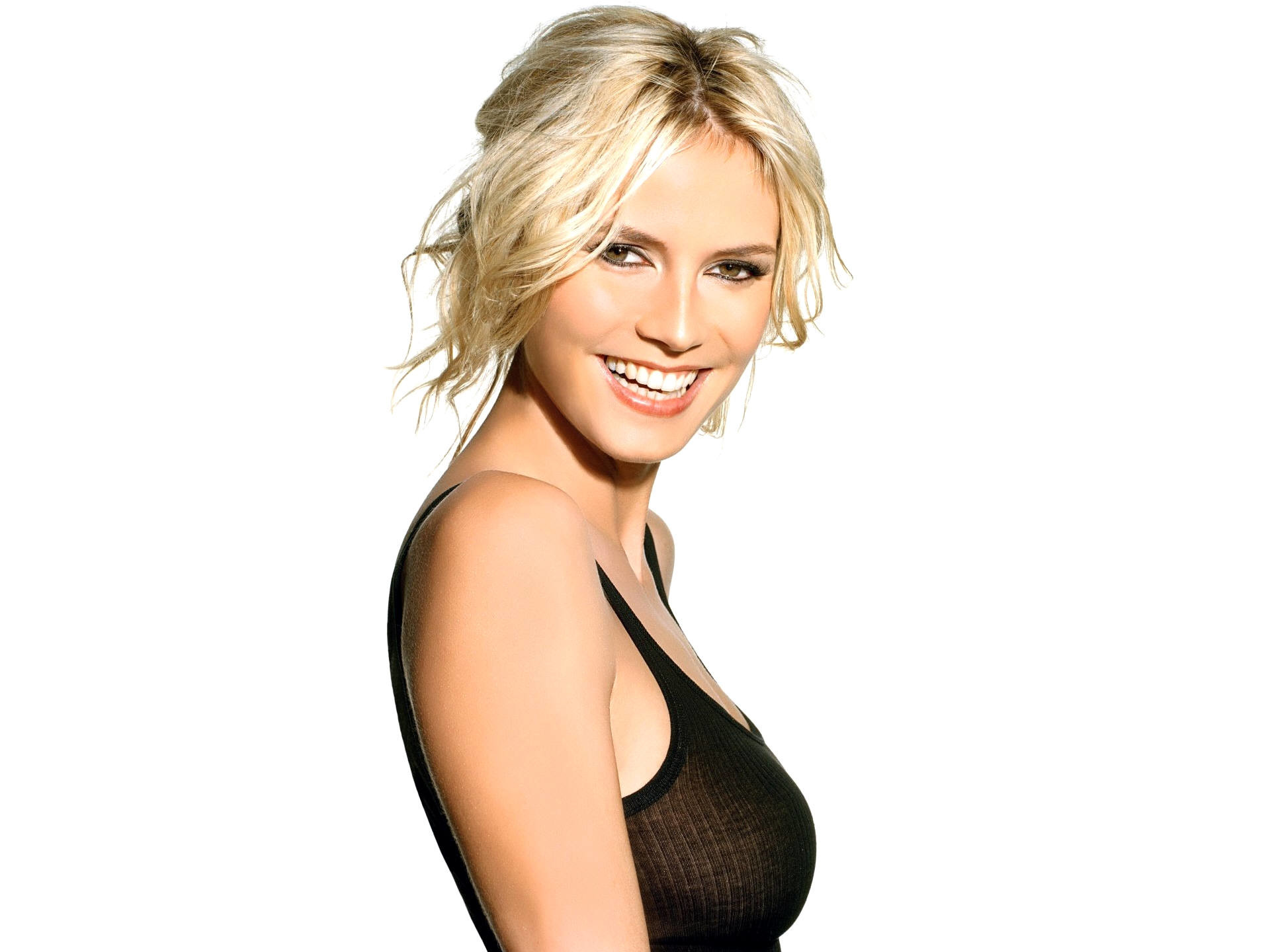 1920x1440 Heidi Klum Beautiful Smile  wallpaper