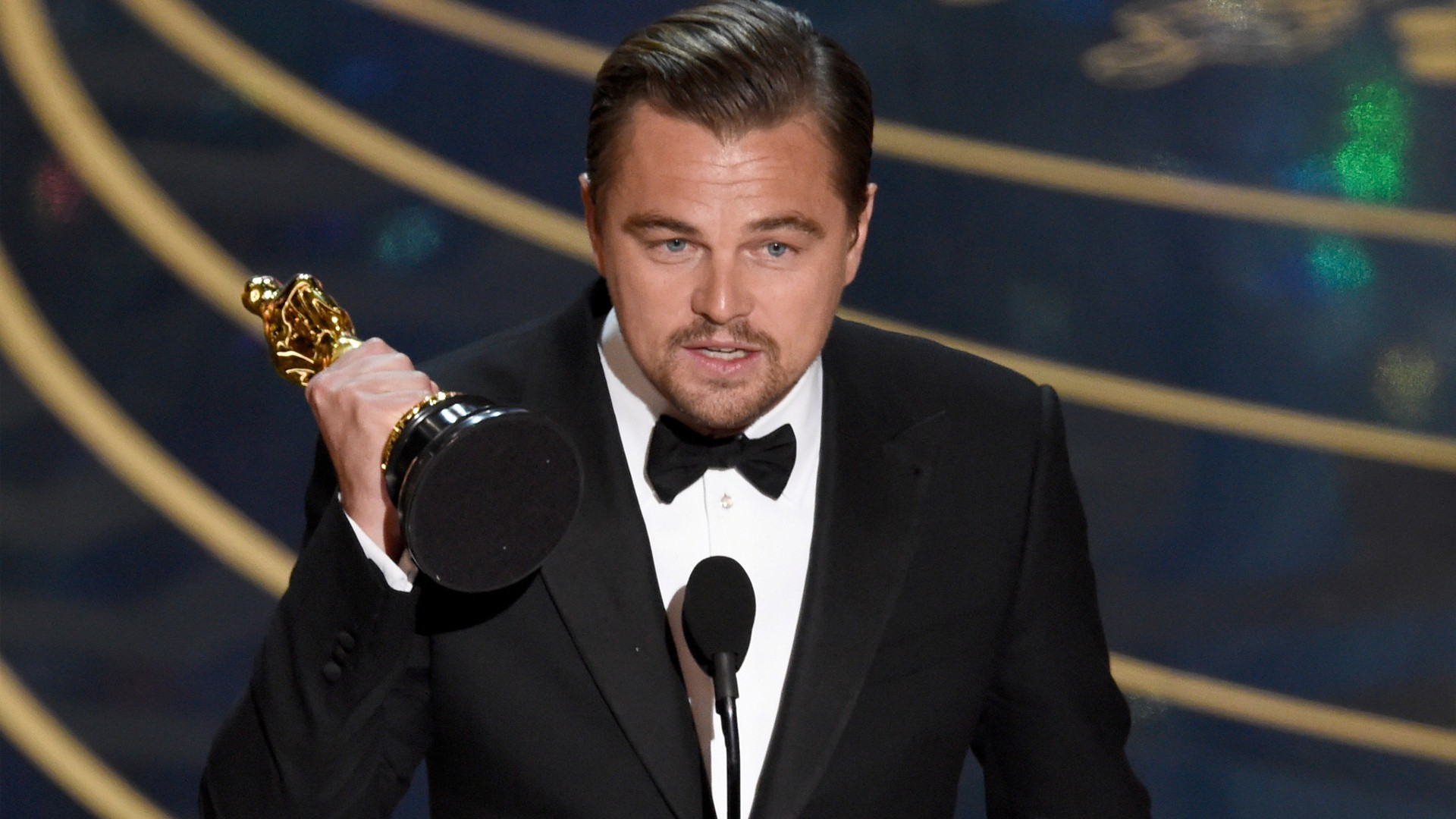 1920x1080 Leonardo DiCaprio with Wining Award Photo