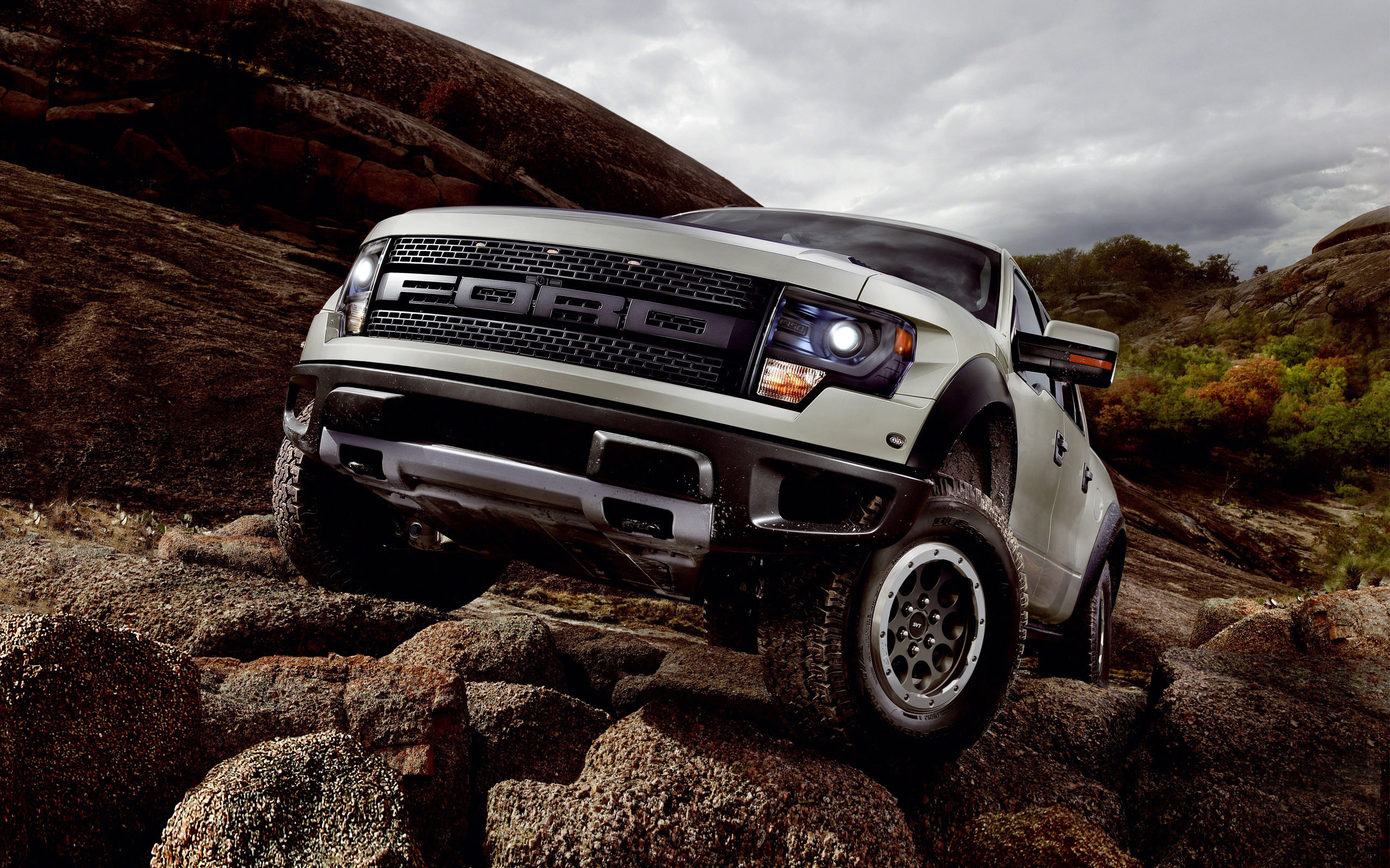 2560x1600 Ford f 150 svt raptor wide photos.