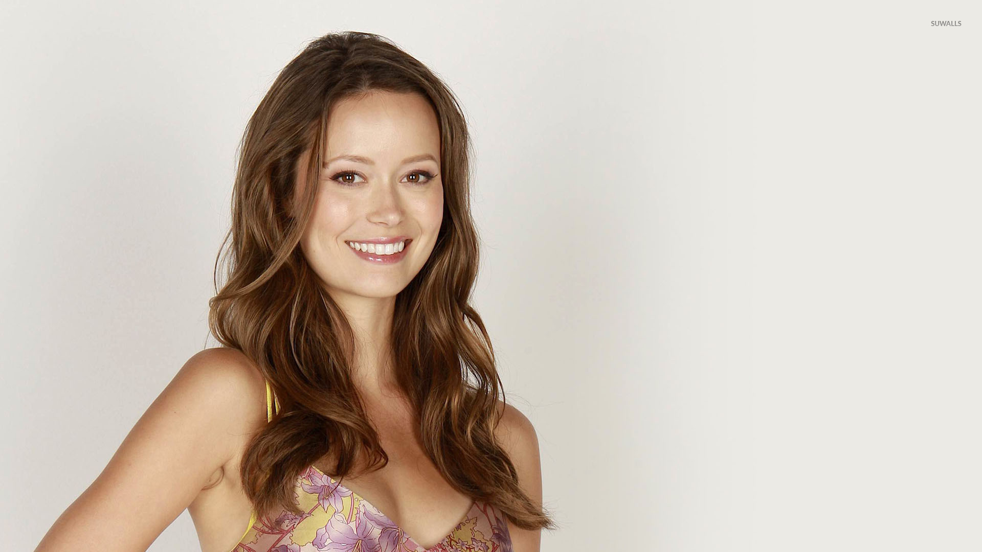 1920x1080 Summer Glau with a beautiful smile wallpaper