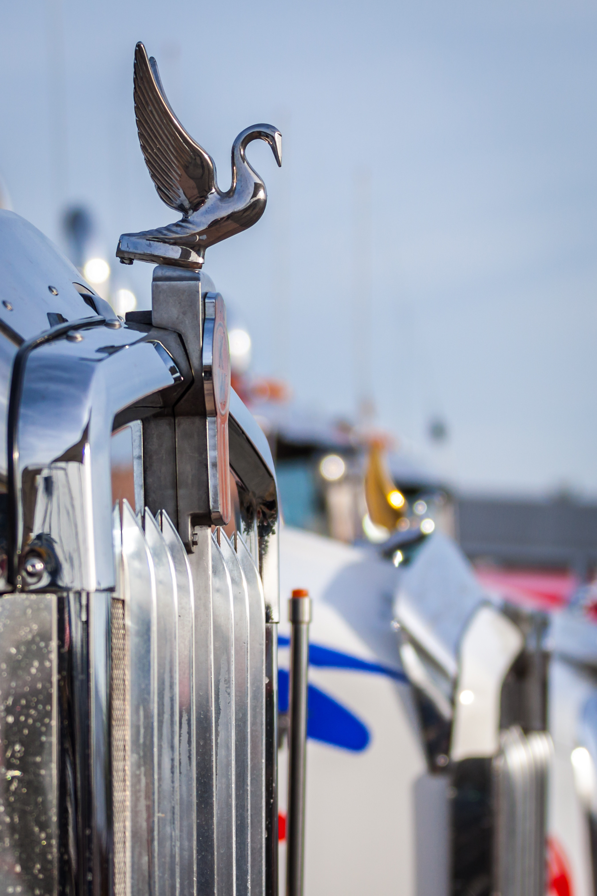 2086x3129 high resolution kenworth truck wallpaper for iphone to download.