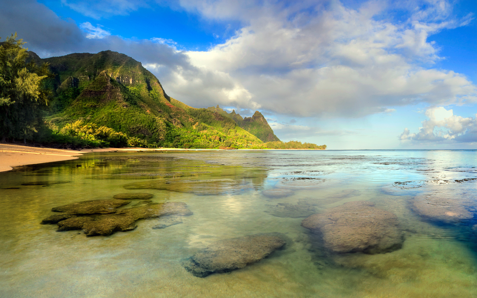1920x1200 Tunnels Beach seascape with coral reef underwater, Kaua?i