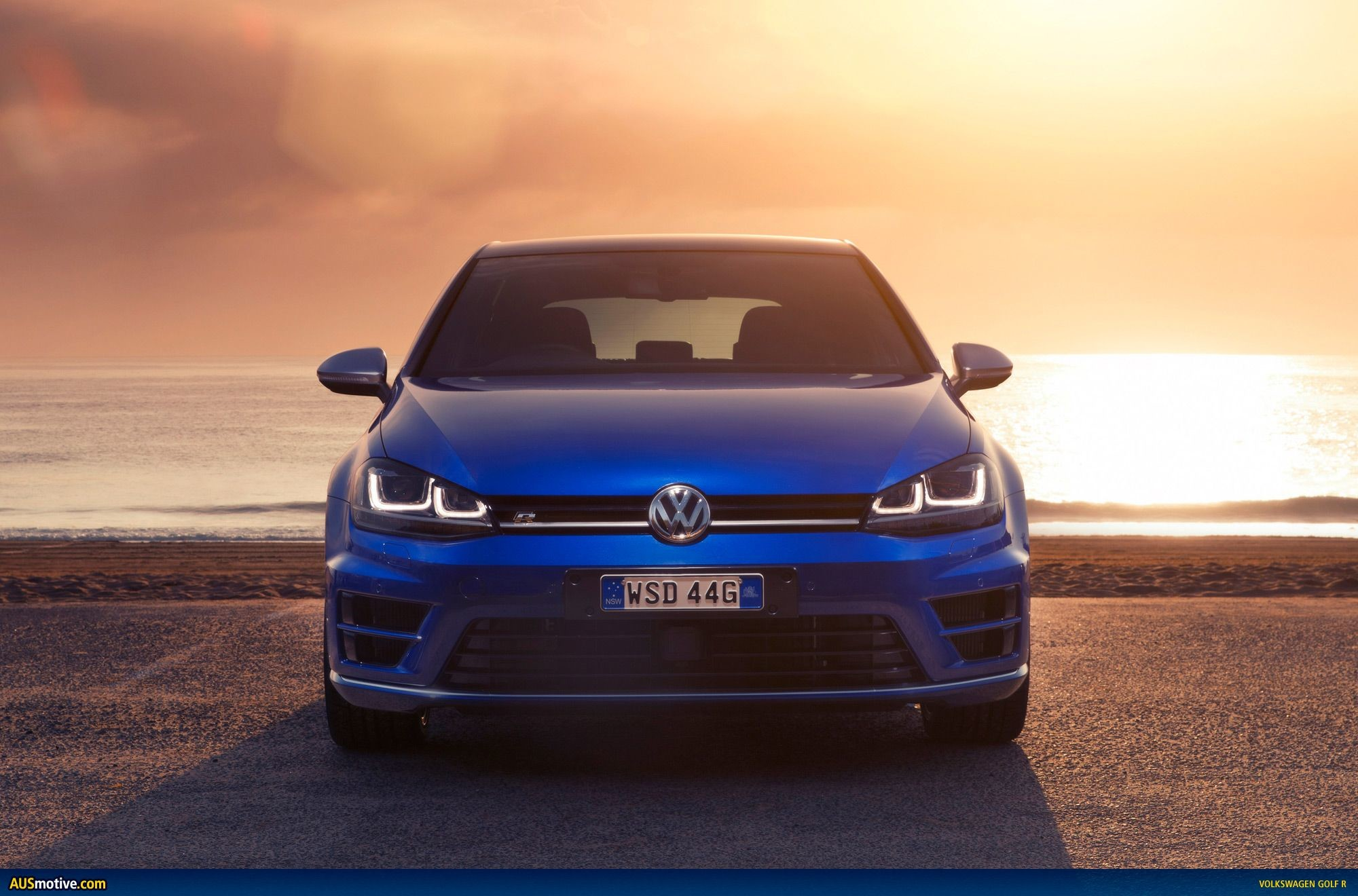 2000x1320 Volkswagen Golf R Car Wallpapers