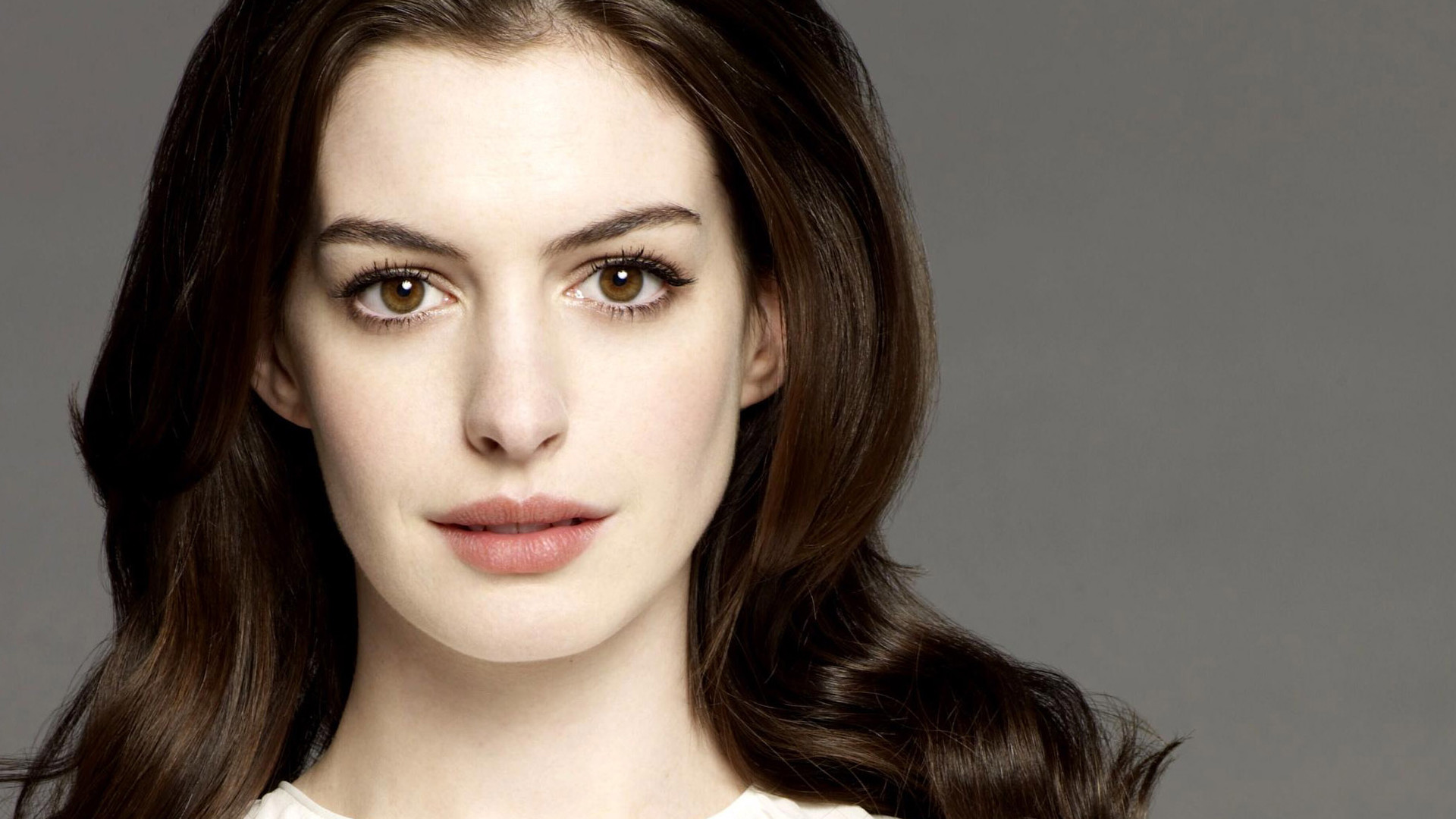 Anne Hathaway Wallpapers 69 Images