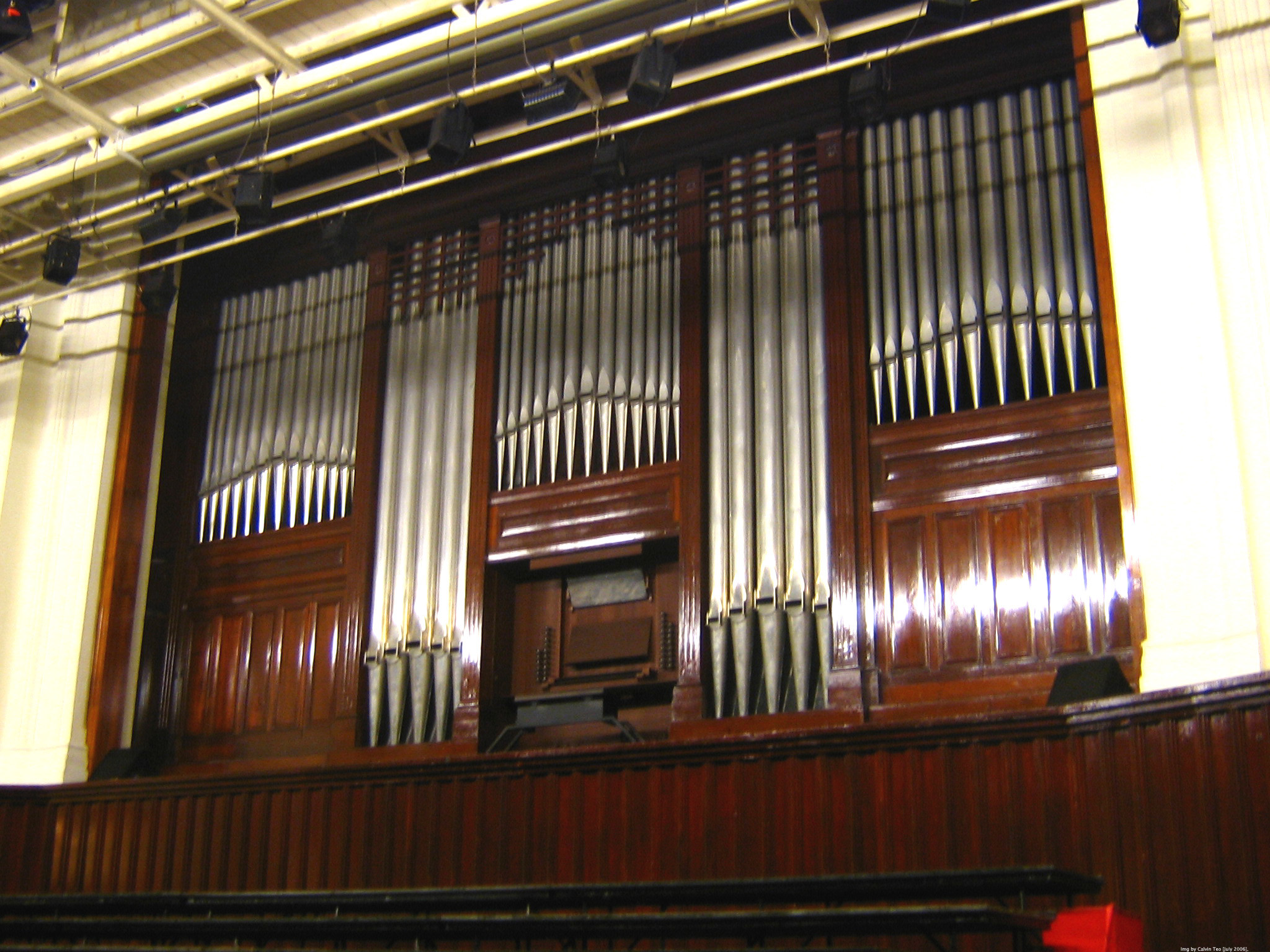 2048x1536 File:Victoria Concert Hall pipe organ.jpg
