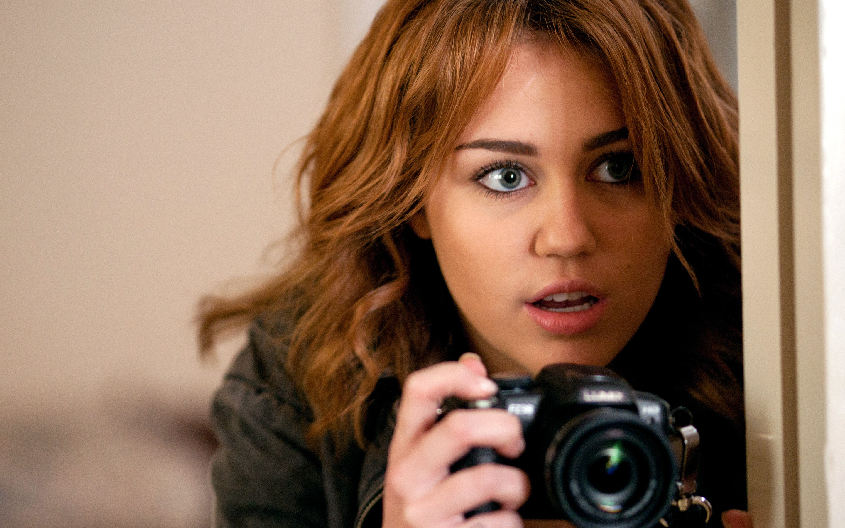 2880x1800 Miley Cyrus Wallpaper – Miley cyrus – bestscreenwallpaper.com – #23