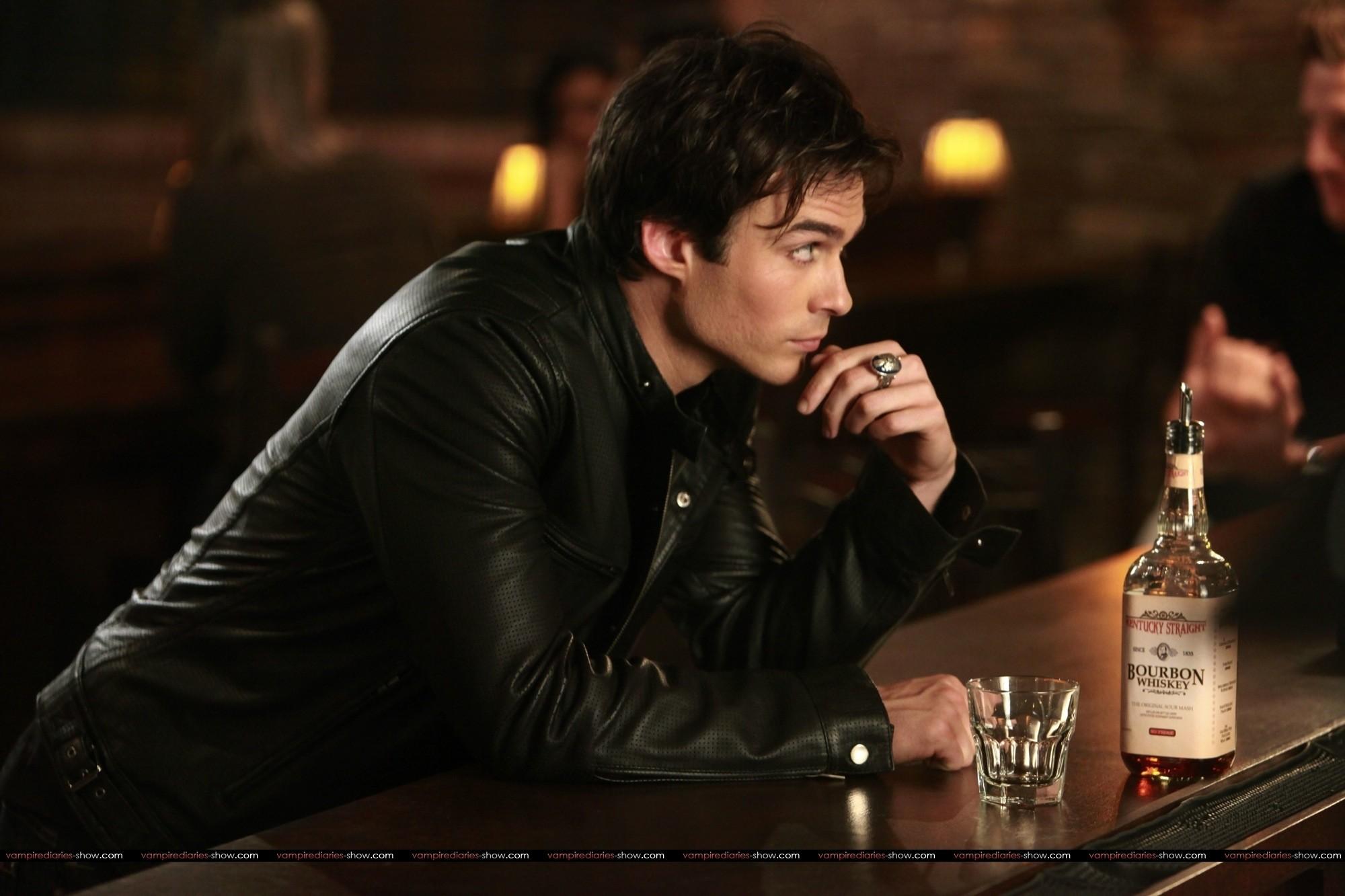 Damon Salvatore Vampire Diaries Wallpaper (76+ images)