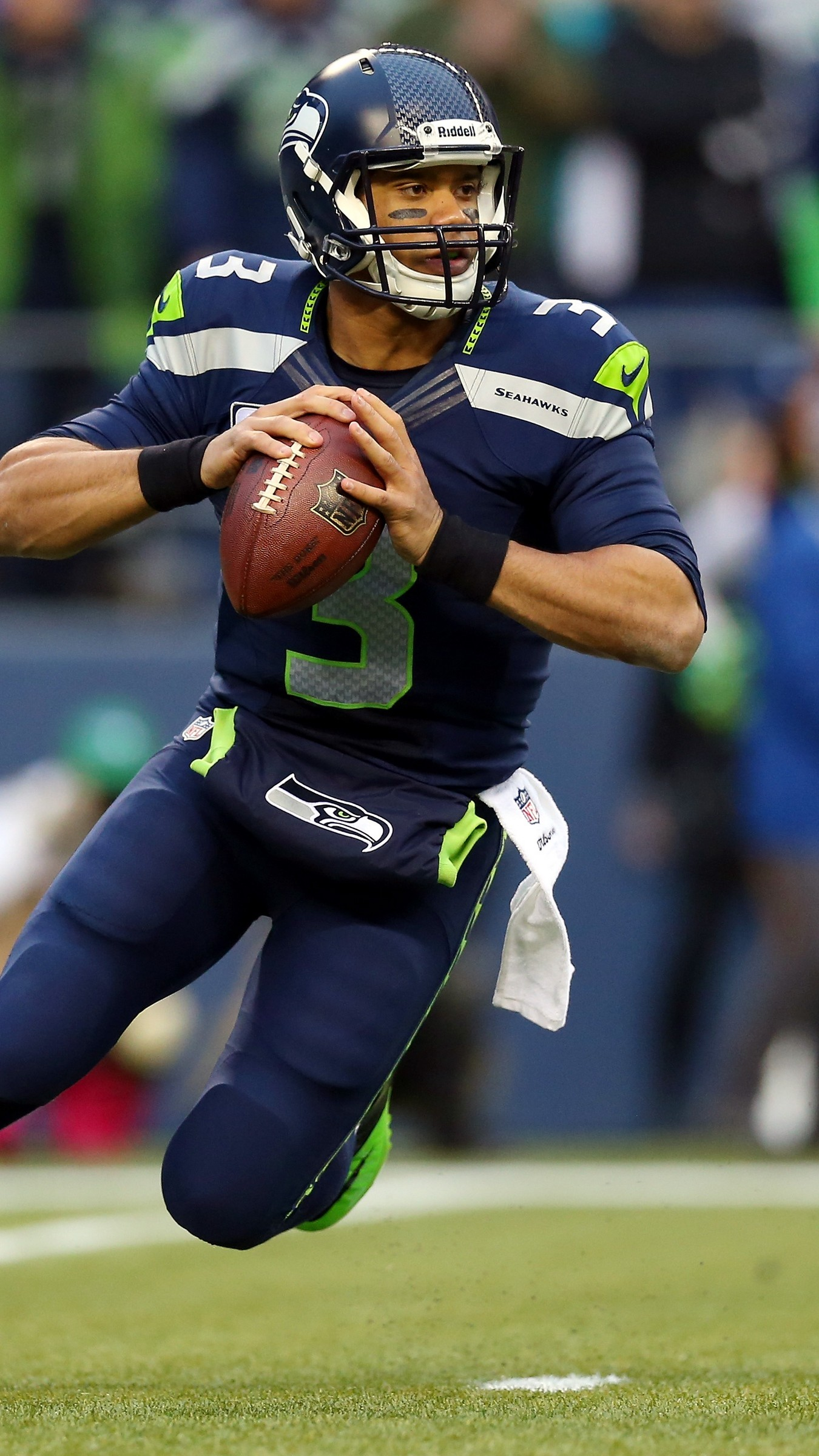 1350x2400  Wallpaper russell wilson, seattle seahawks, defender