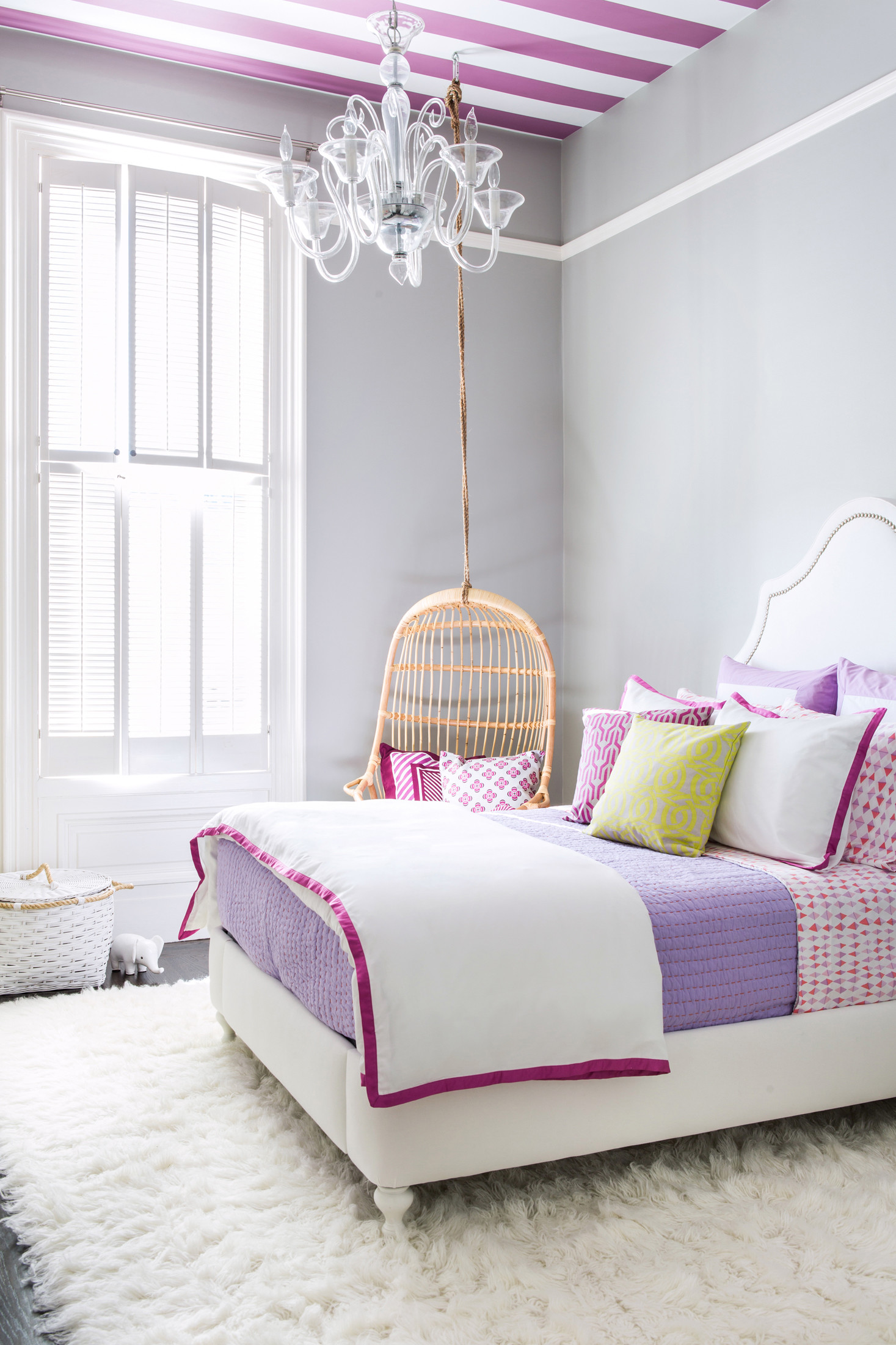 Cute Girl Bedroom Ideas With Coolest Wallpaper Plant Motif For
