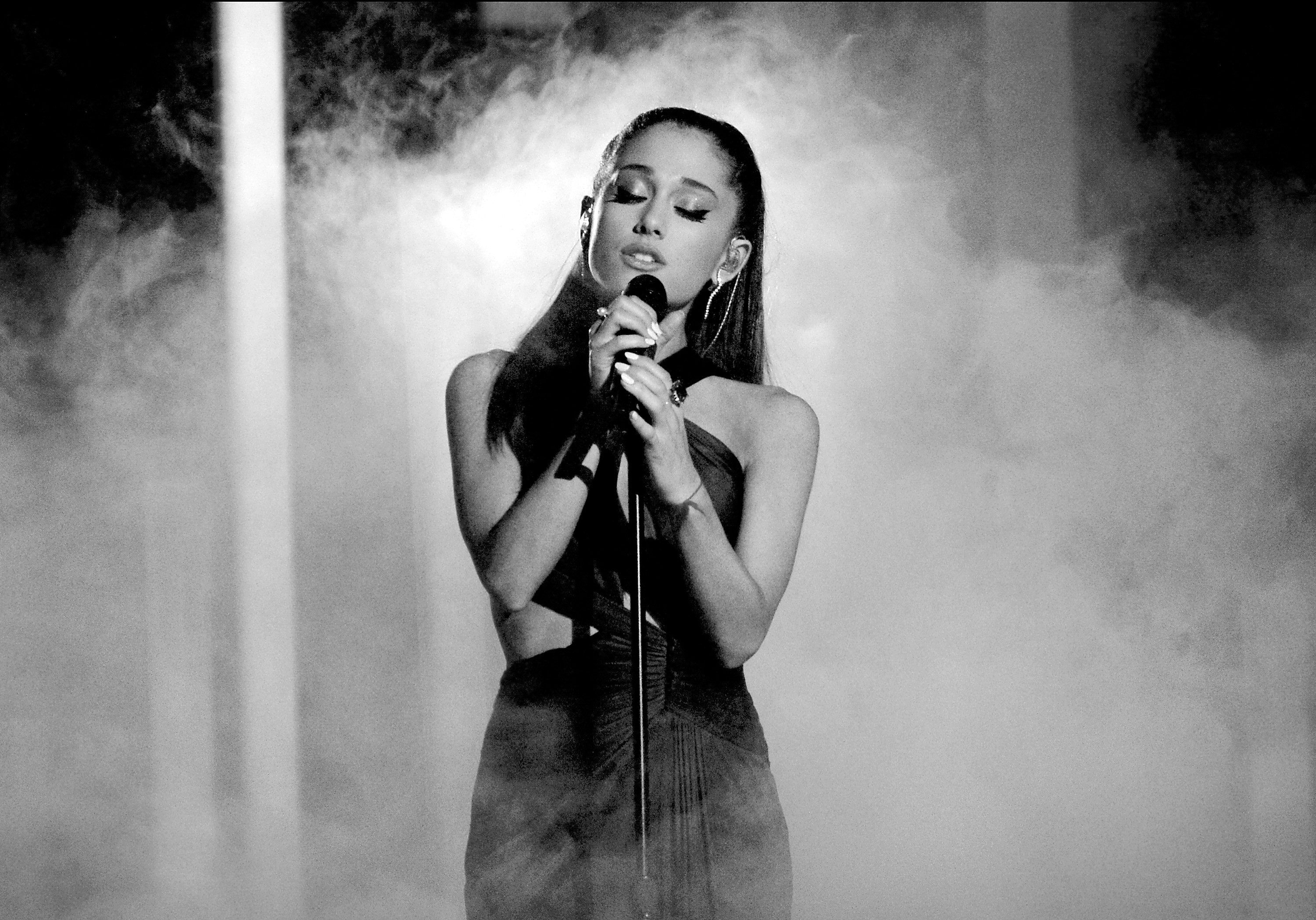 Ariana Grande Wallpapers (77+ images)