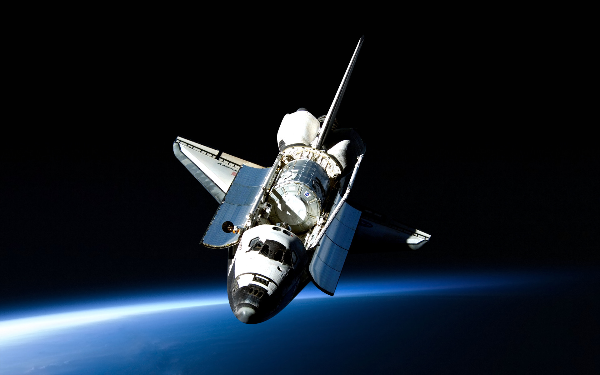 1920x1200 /r/allSpace Shuttle Discovery posing for a great wallpaper.