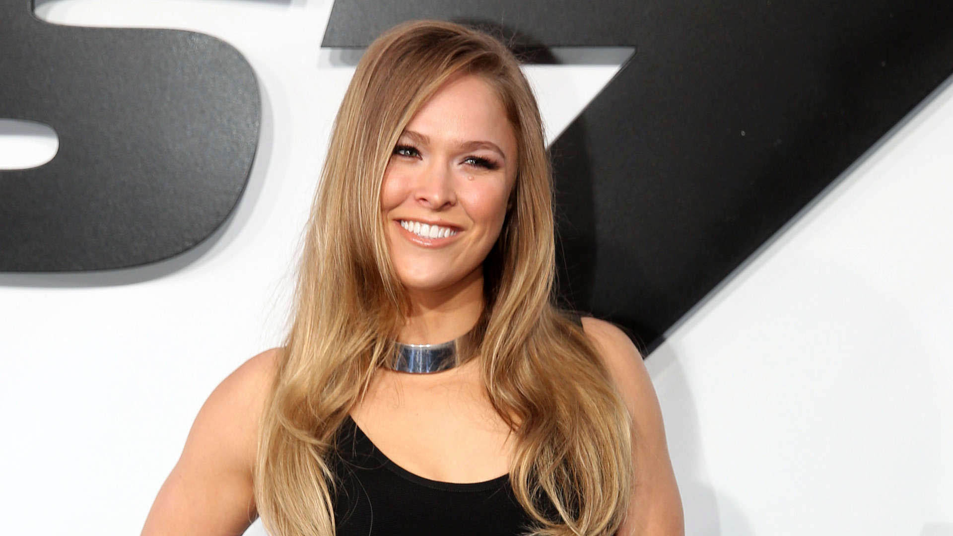 1920x1080 Ronda Rousey Beautiful Smile  wallpaper