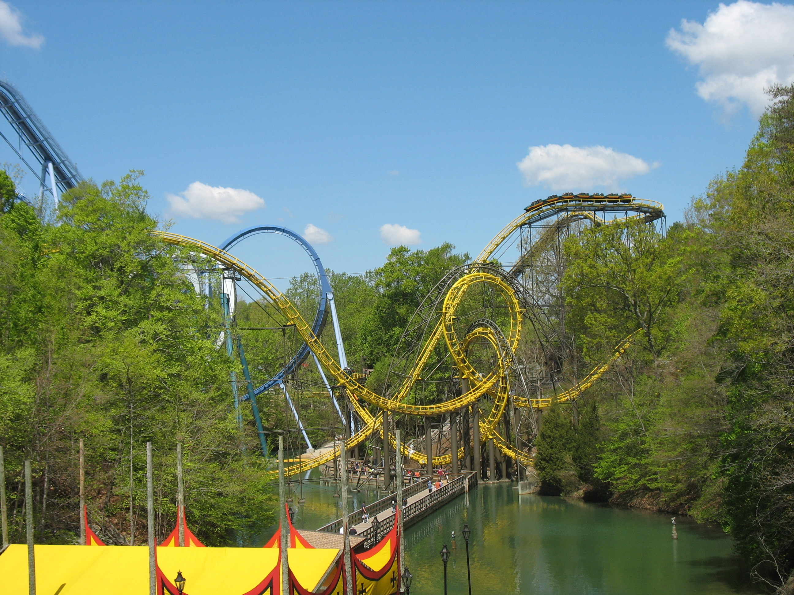 2592x1944 File:Loch Ness Monster (Busch Gardens Europe) 01.jpg