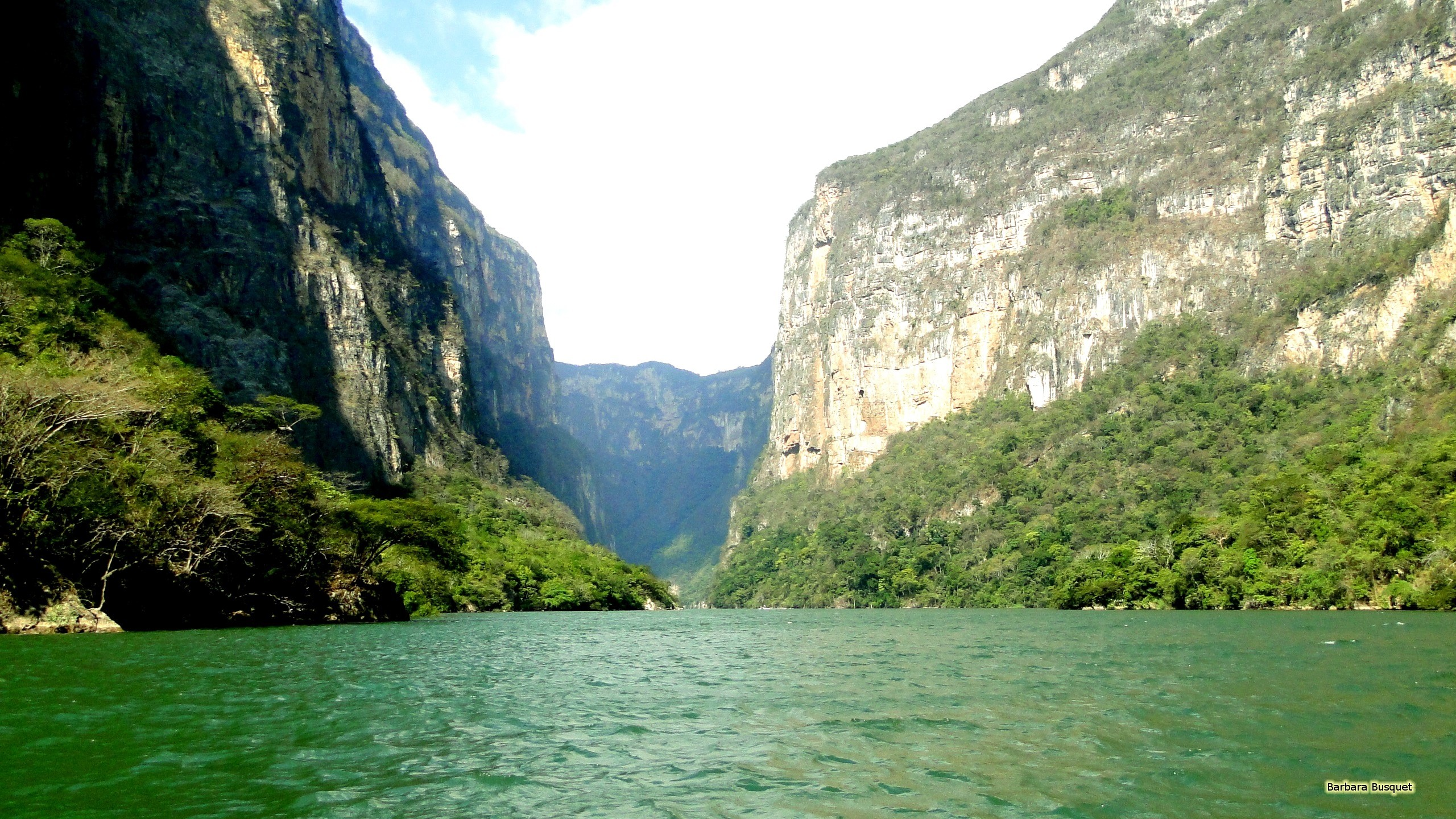 2560x1440 Wallpaper with the Sumidero Canyon in Mexico