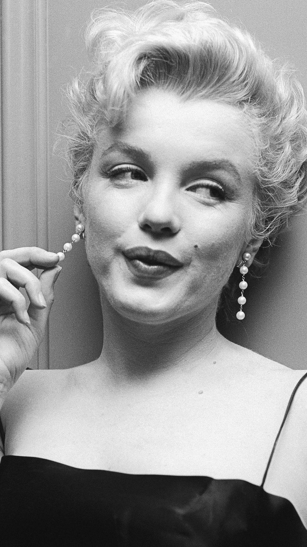 1080x1920 Celebrity Marilyn Monroe Actresses United States. Wallpaper 487112