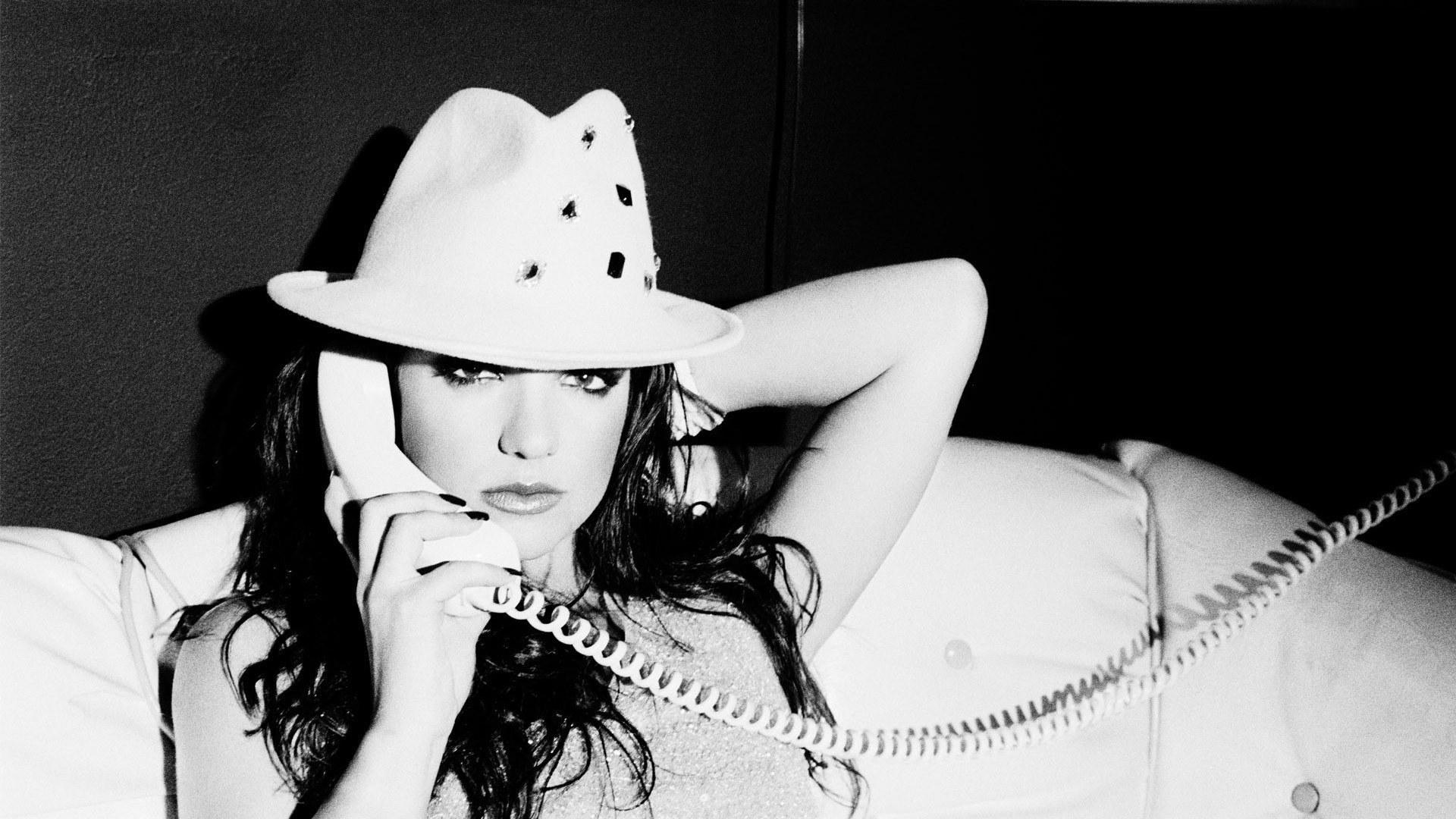 1920x1080  Wallpaper britney spears, phone, look, hat, singer, black and  white