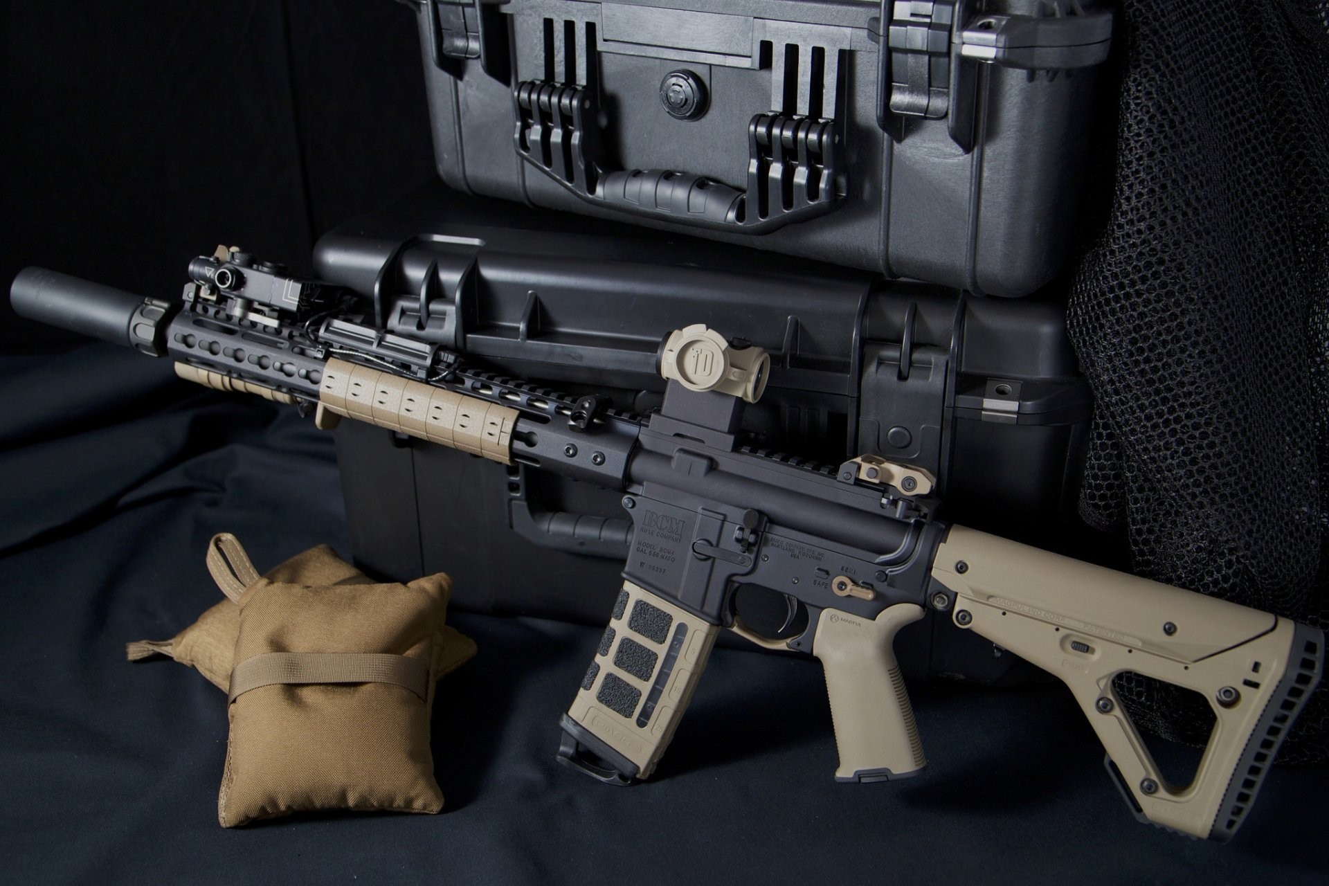 1920x1280 ar-15 assault rifle weapon boxes