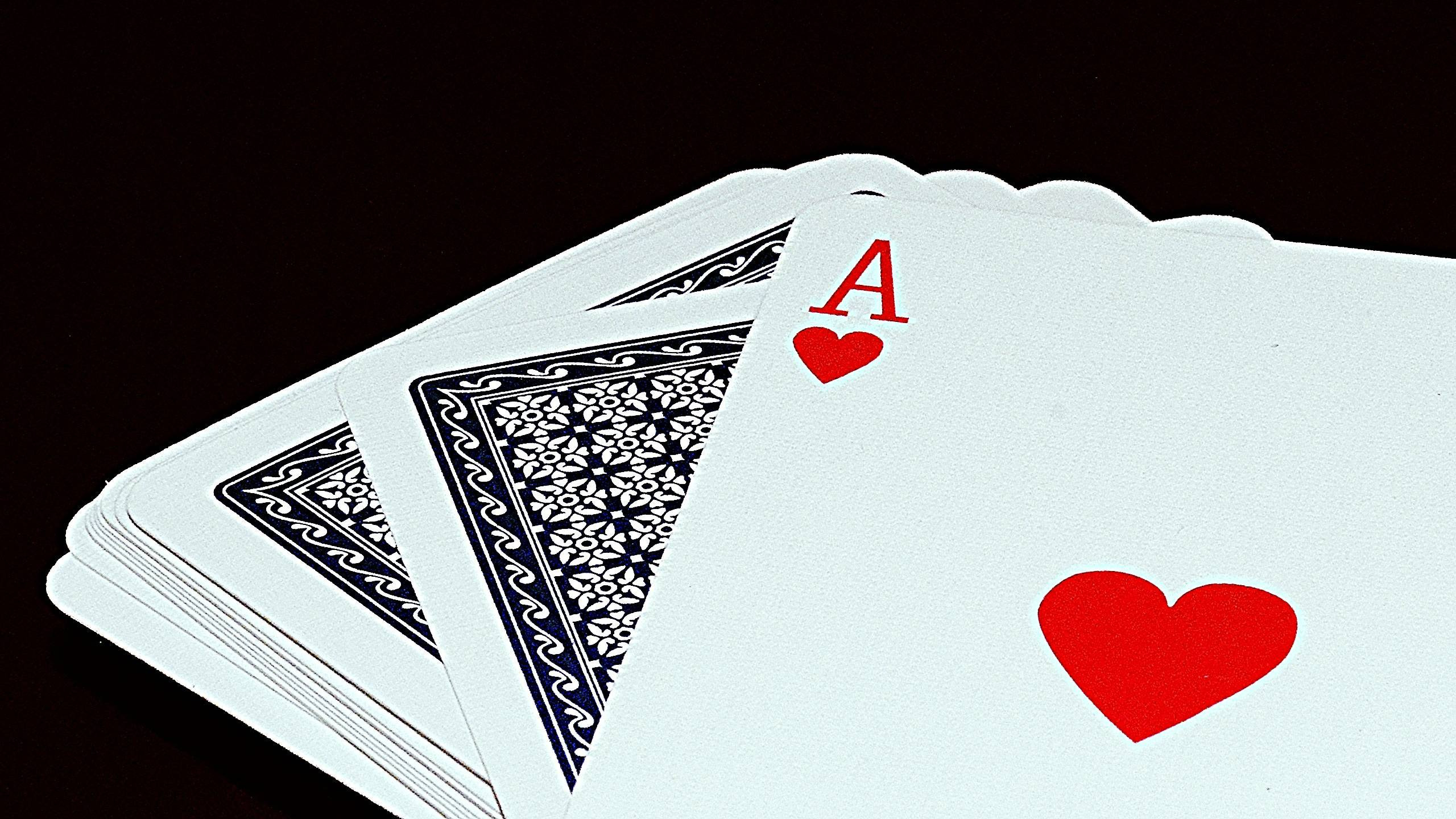 2560x1440 Ace Of Hearts Wallpaper Amazing Playing Cards Wallpapers Wallpaper Cave