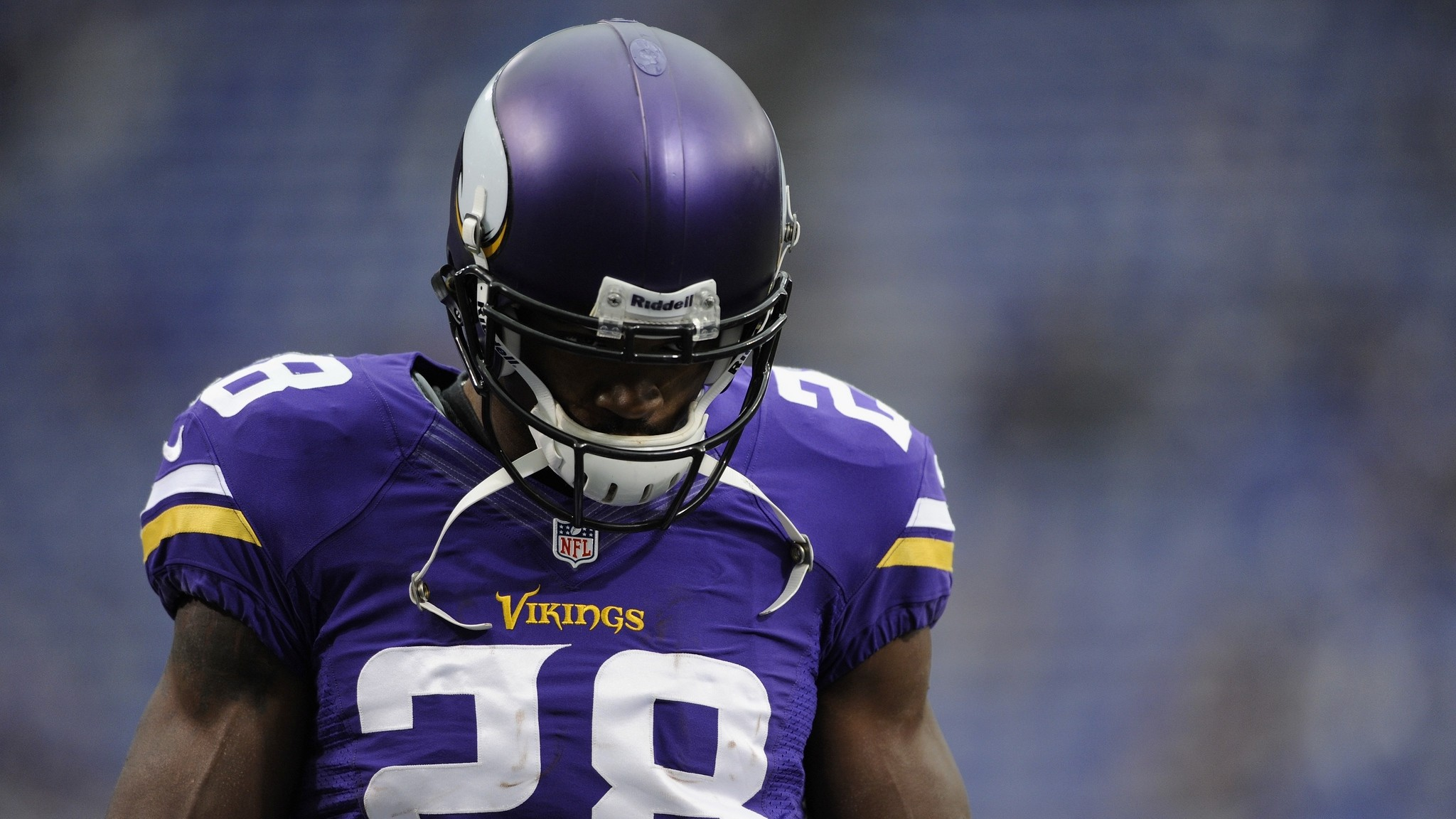 2048x1152  Wallpaper adrian peterson, minnesota vikings, american football