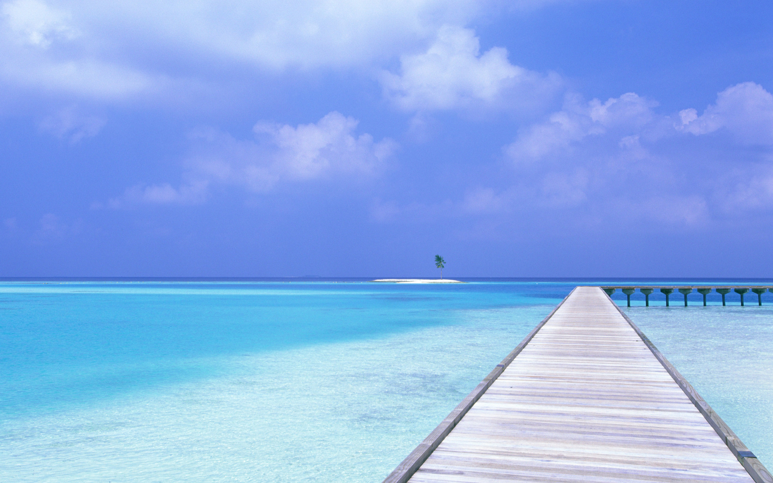 2560x1600 Tags: Blue Water
