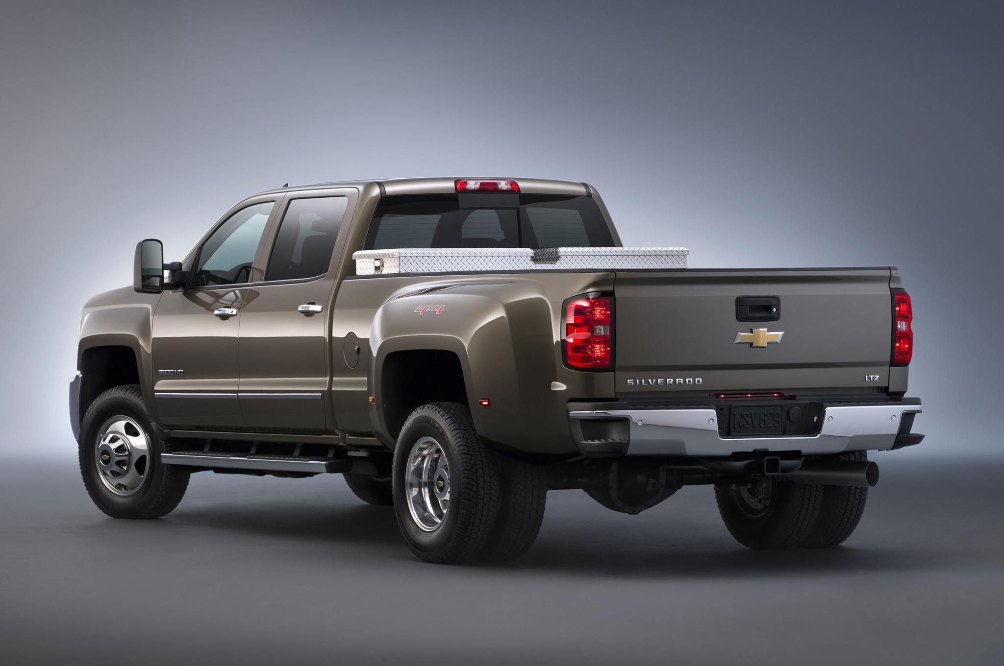 2048x1360 2015 chevy truck | 2015 Chevrolet Silverado HD, 2015 GMC Sierra HD Photo  Gallery