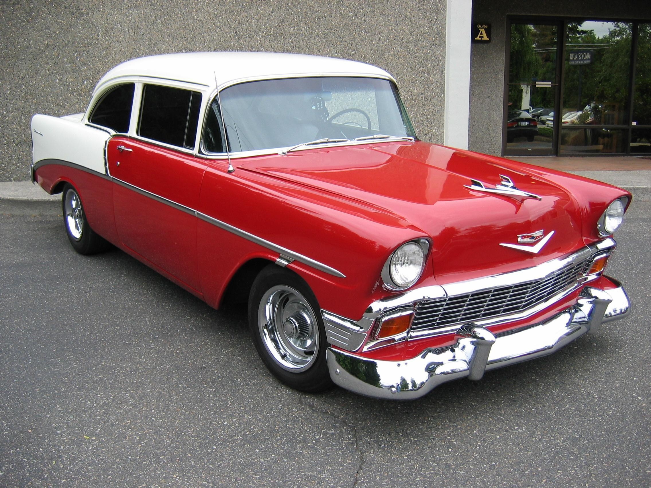 2272x1704 HD 1956 Chevy Red & White Wallpaper