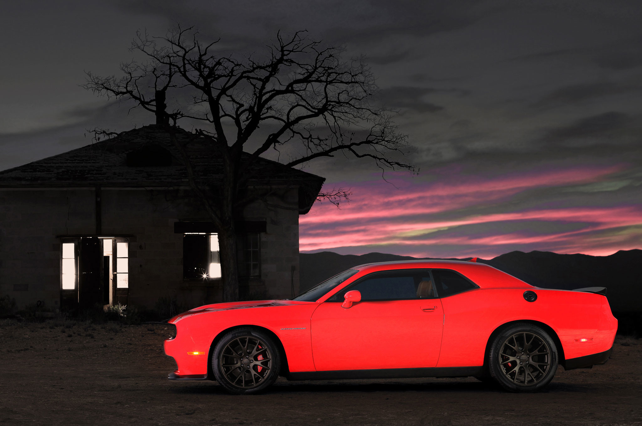 2048x1360 2015 Dodge Charger SRT Hellcat 4K Wallpapers HD - http://wallucky.com
