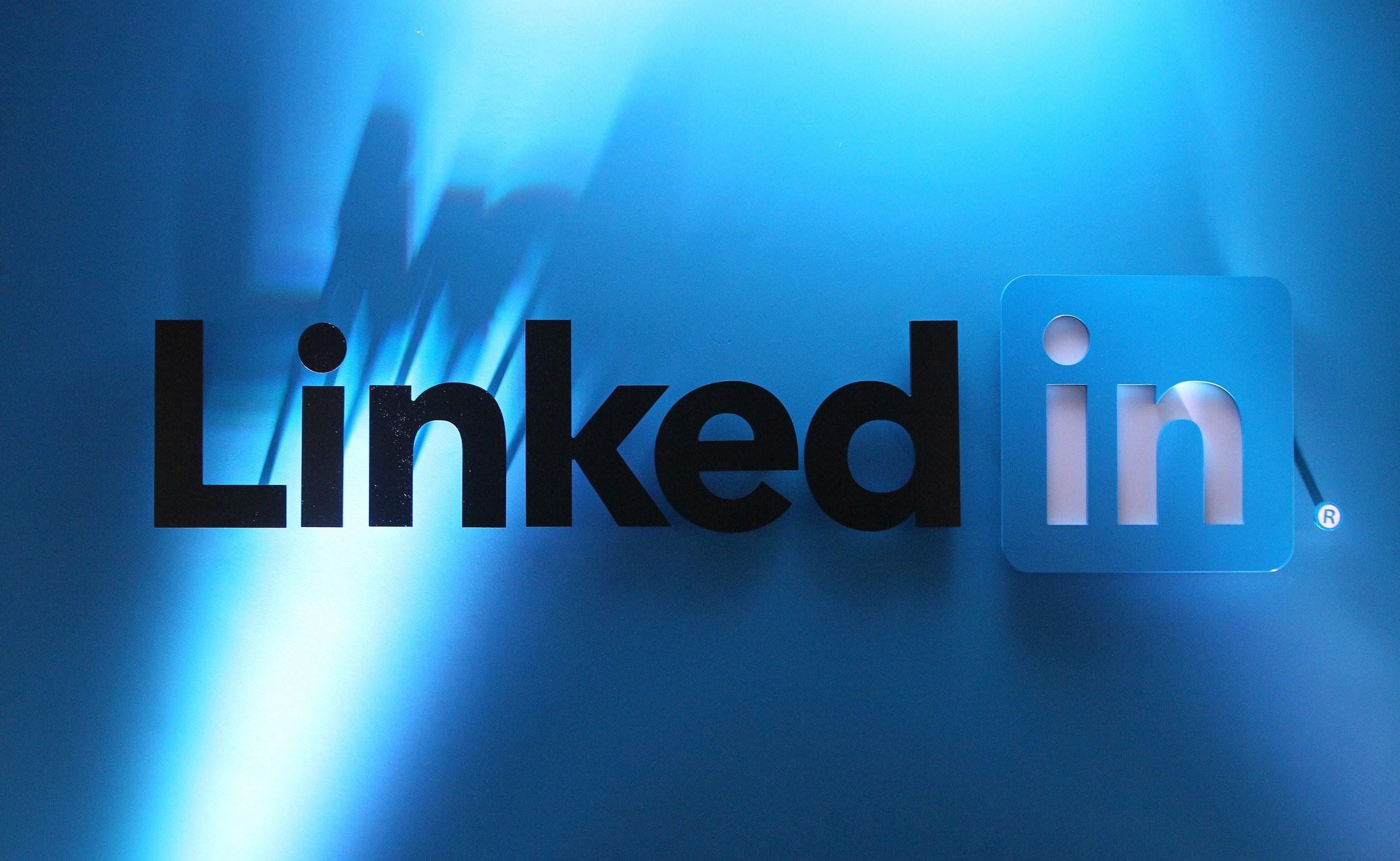 Technology Management Image: 1400x425 Linkedin Wallpaper (64+ Images