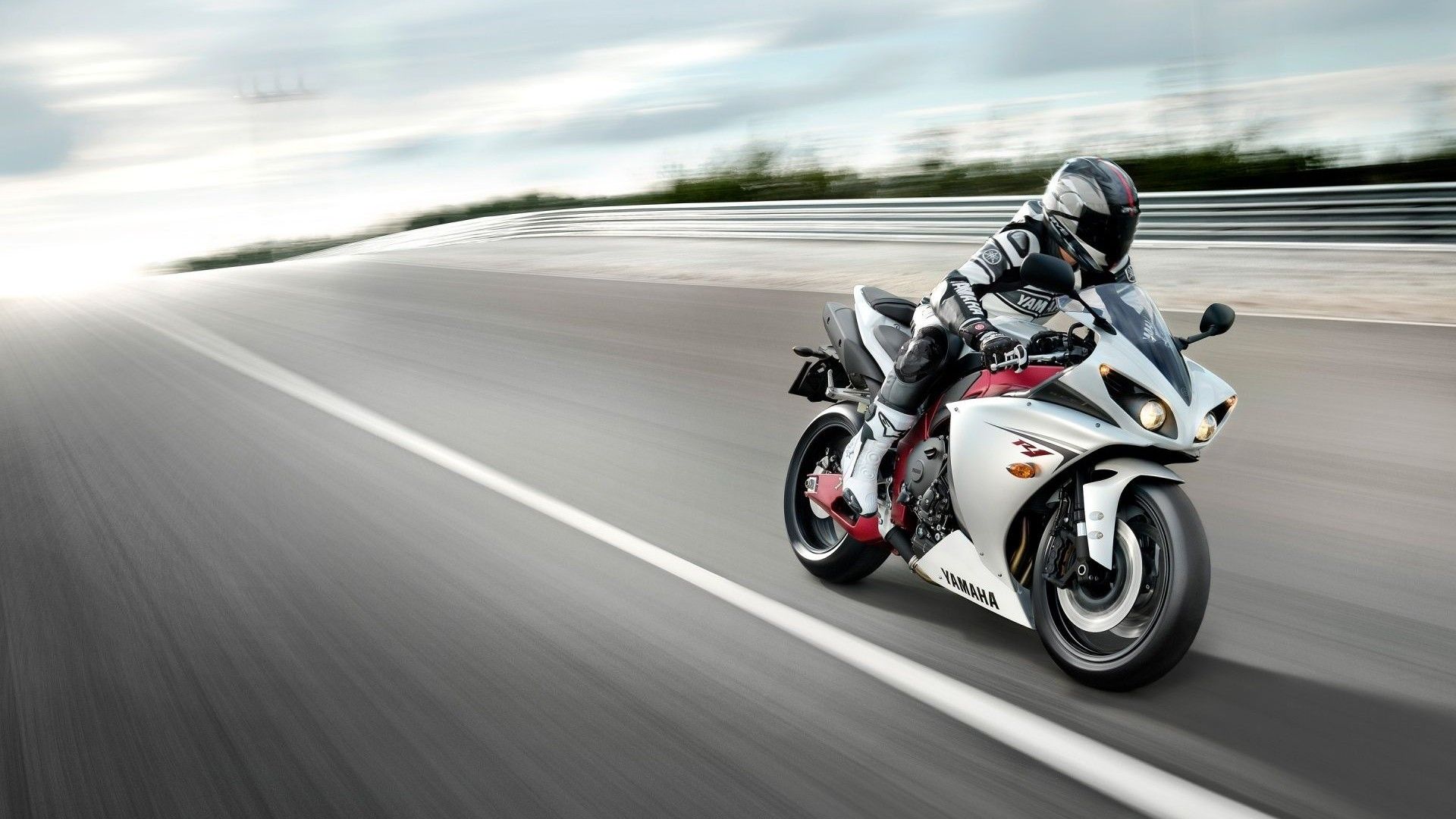 Yamaha R1 Wallpapers (70+ Images
