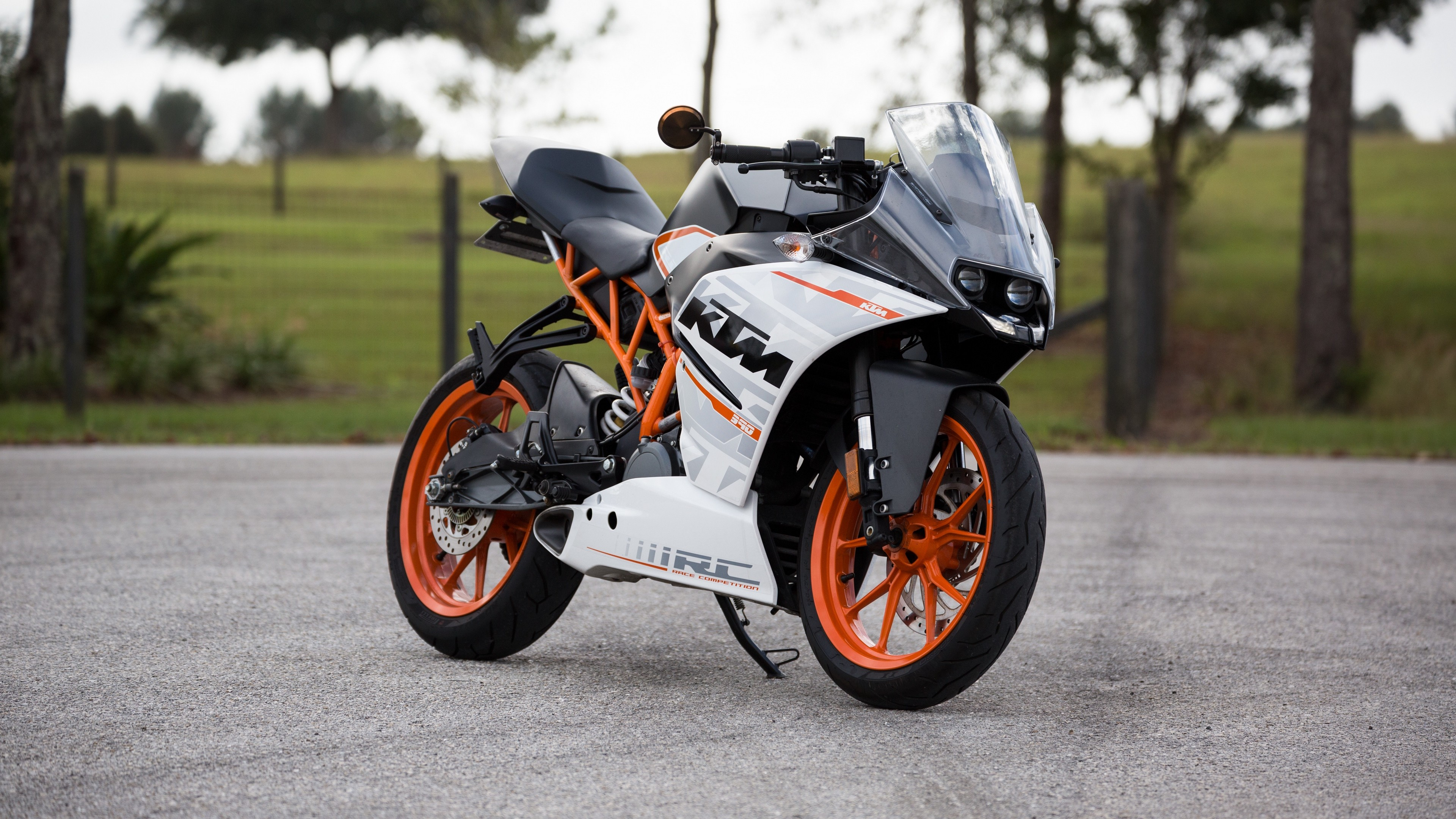 3840x2160  Wallpaper ktm, motorcycle, side view