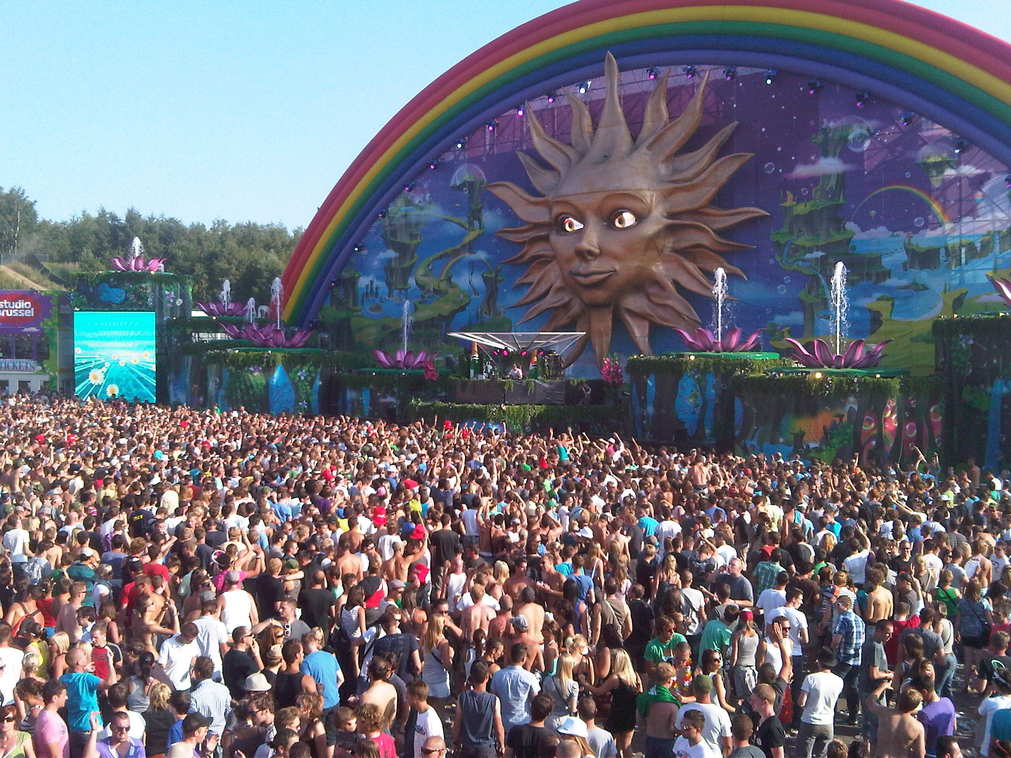 Tomorrowland 2018 Laser Show HD Wallpaper (72+ images) Tomorrowland 2012 Wallpaper