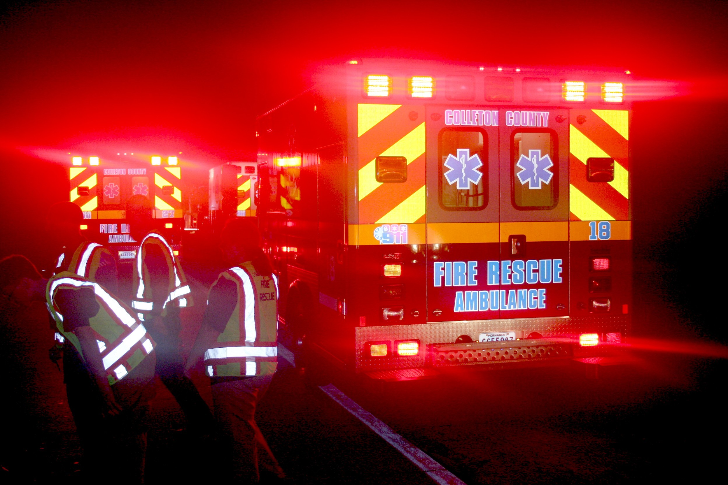 2496x1664 Paramedic Wallpaper Firefighter Trae