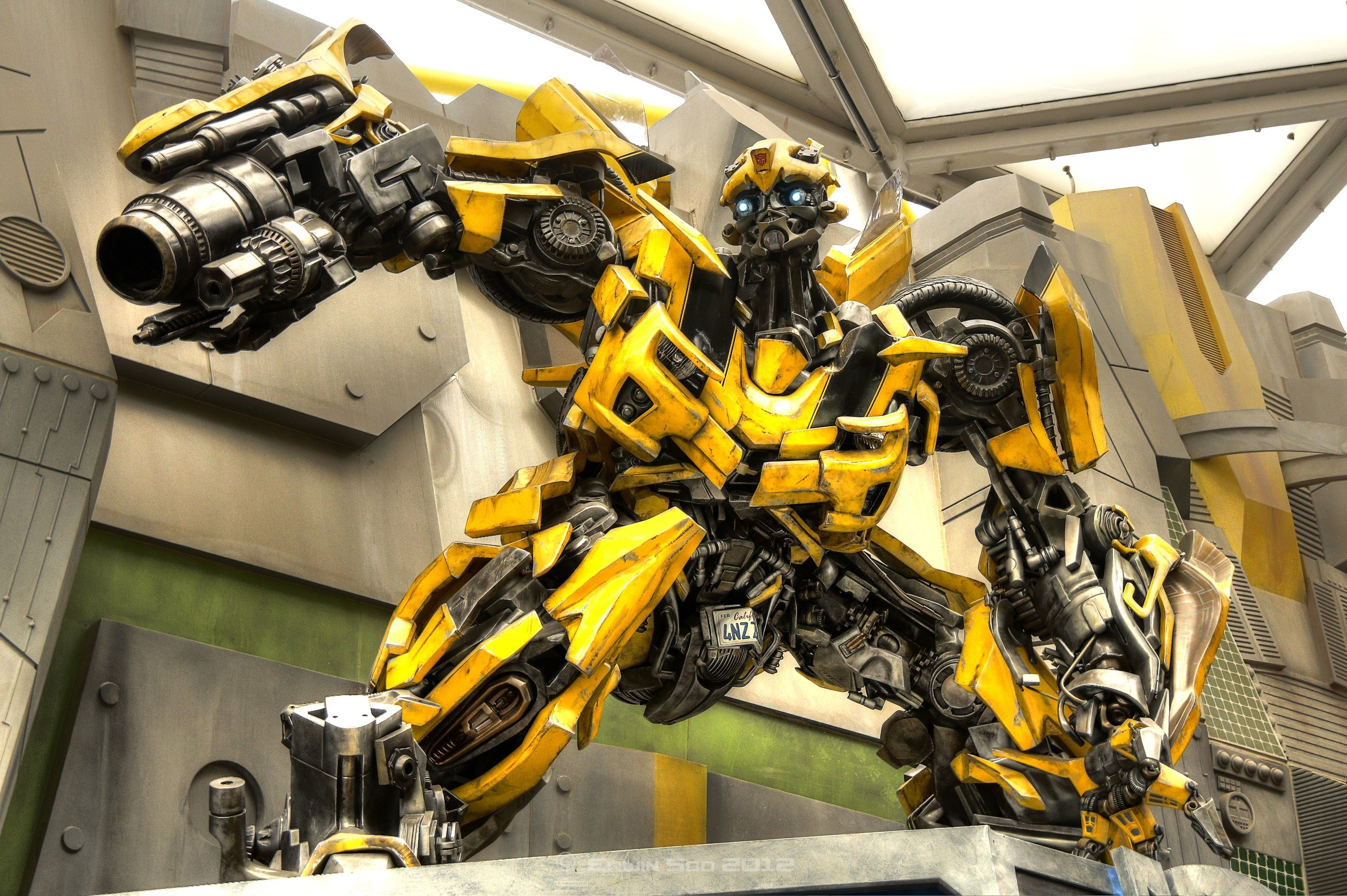 2600x1730 bumblebee transformers hd wallpapers 022