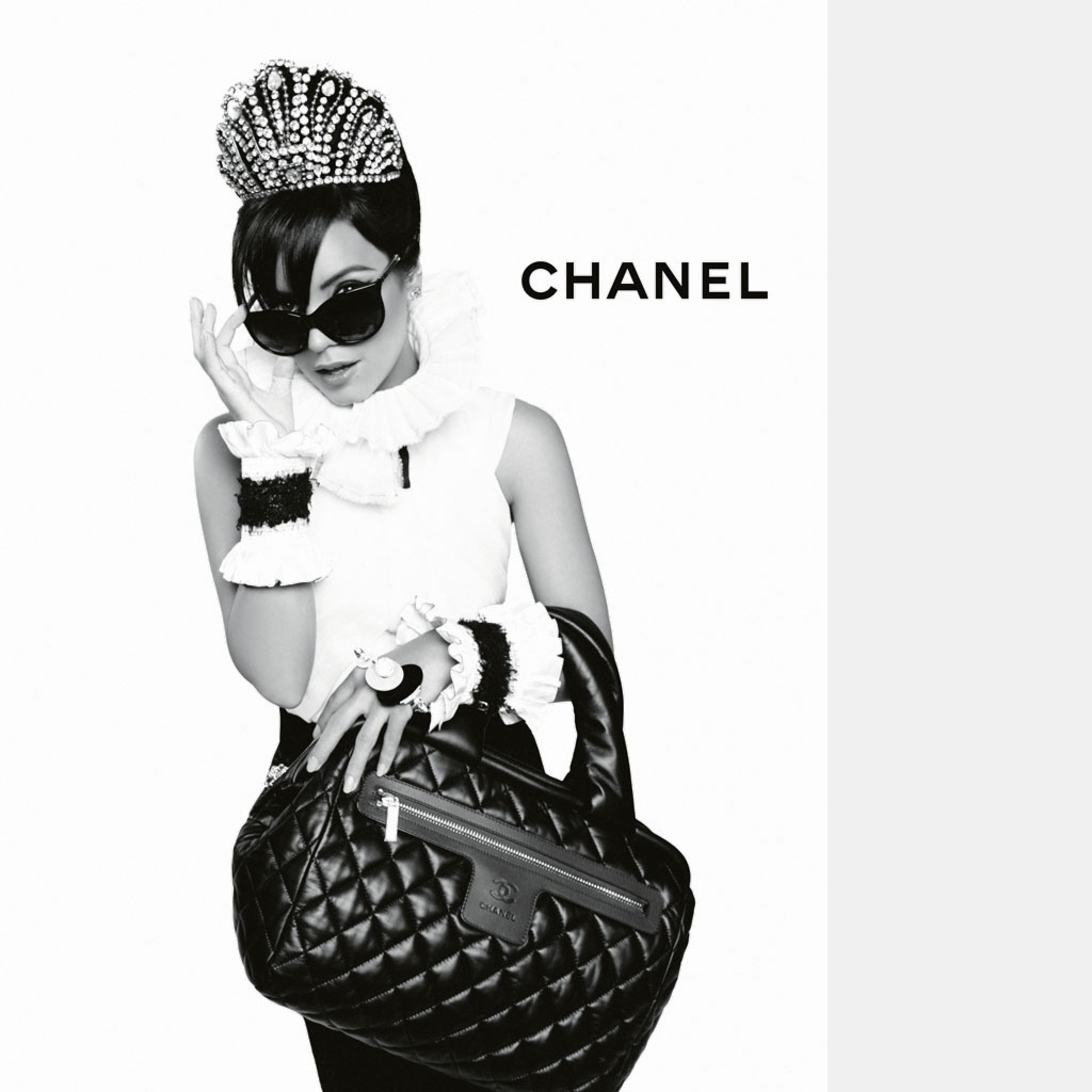 2048x2048 Preview wallpaper chanel, lily allen, girl, bag, sunglasses, high fashion