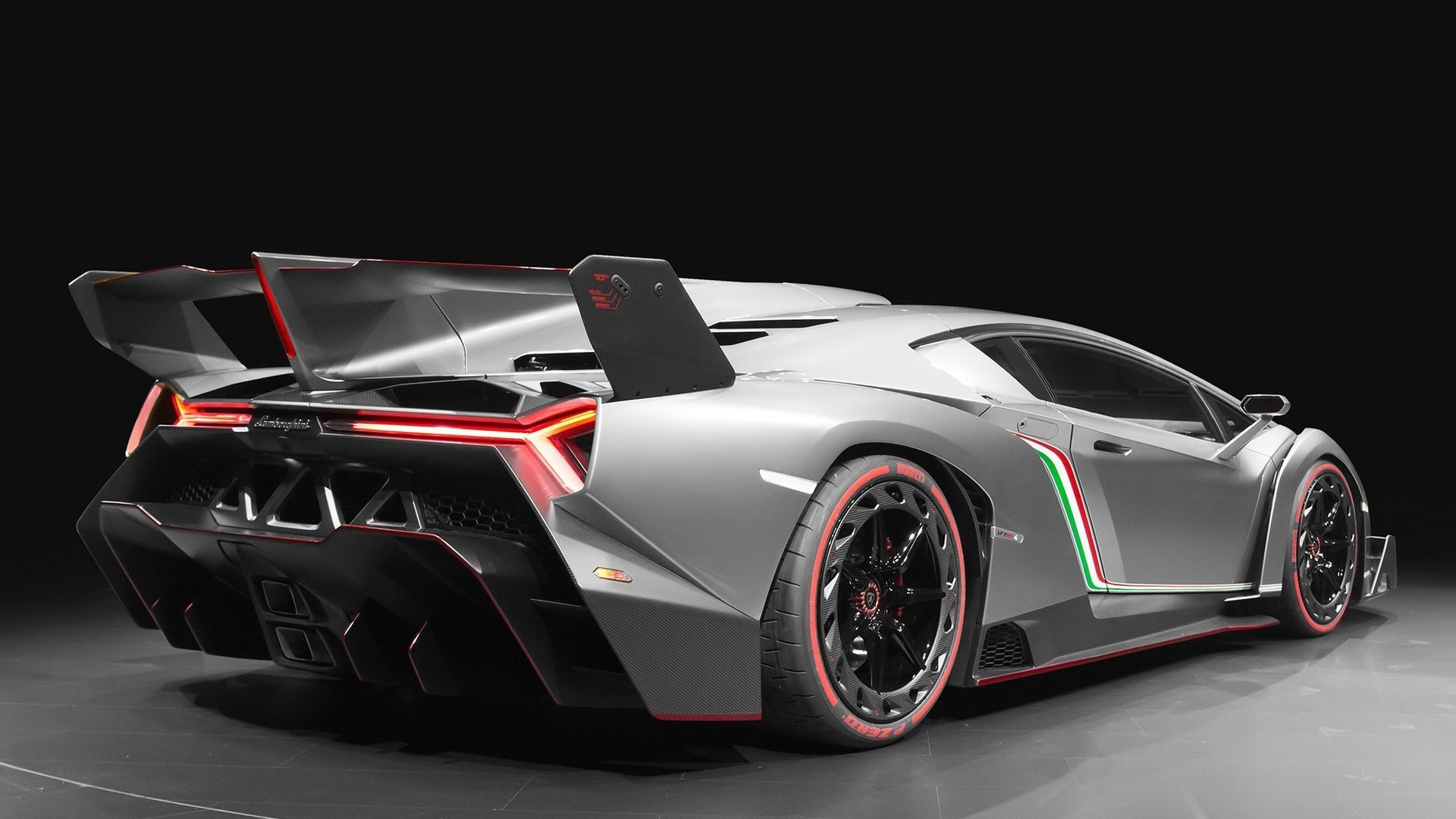 1920x1080 Lamborghini Veneno Roadster Crystal City Car 2014 Red