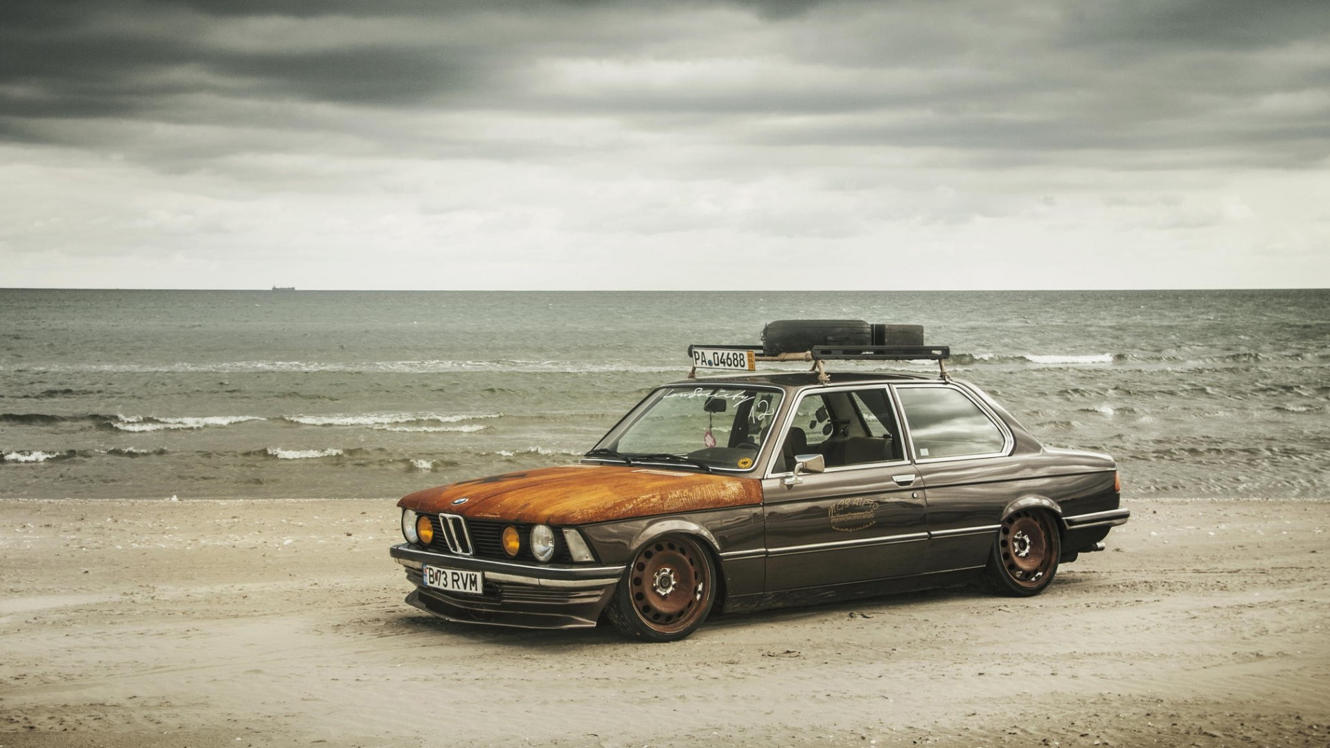 1920x1080 Full HD Wallpaper bmw vintage beach ancient overcast rust