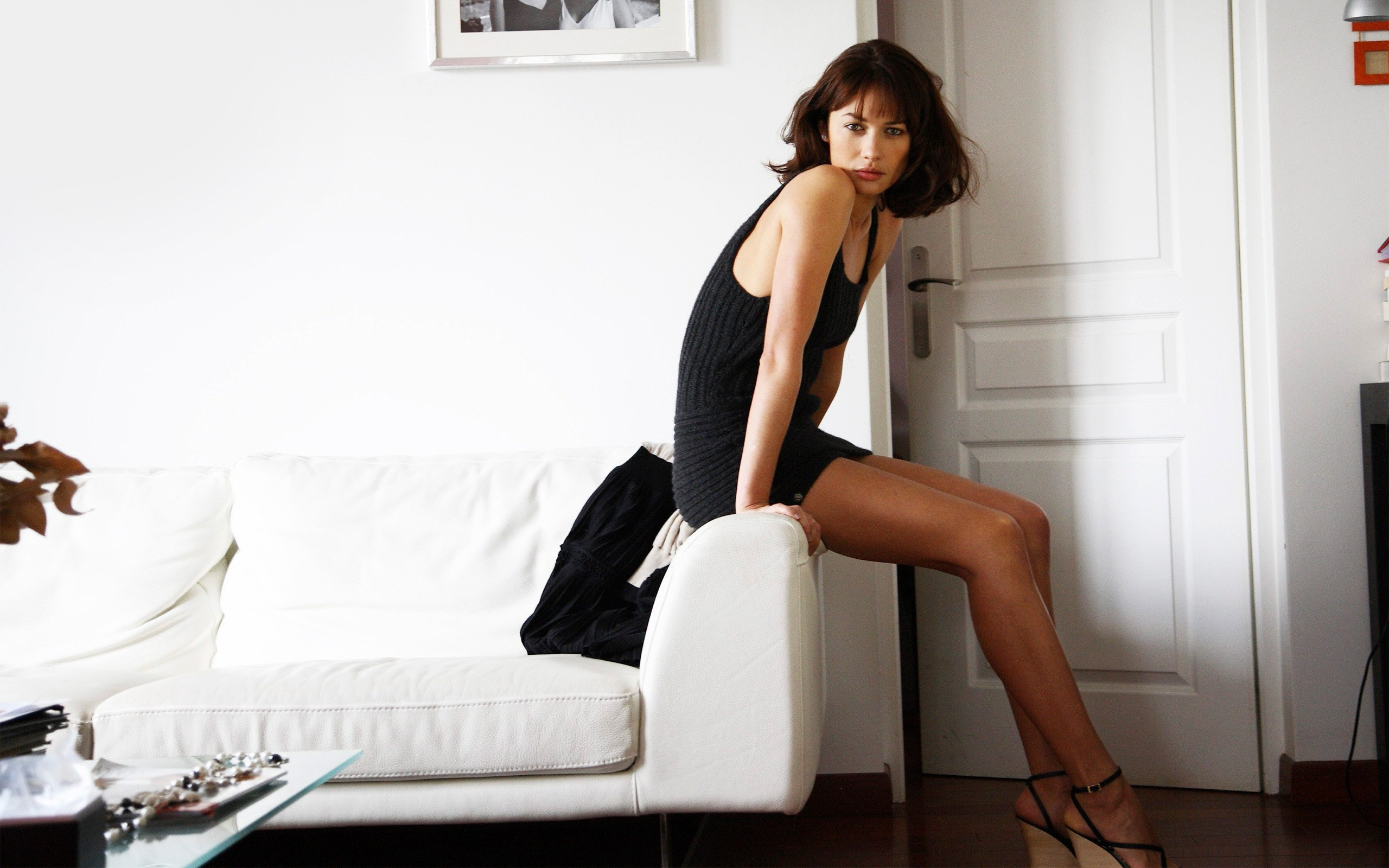 2560x1600 Olga Kurylenko [ wallpaper Celebrity wallpapers